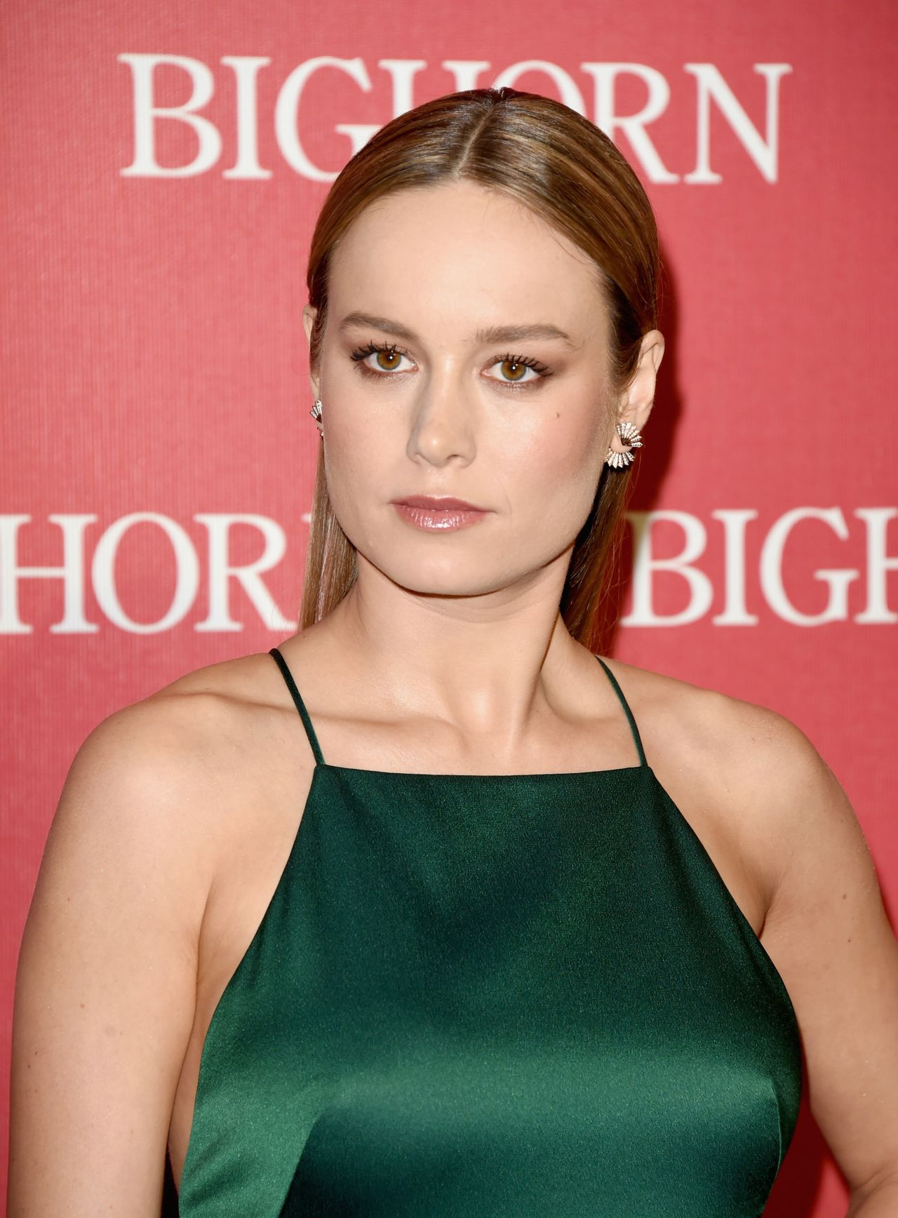 brie-larson-2016-palm-springs-international-film-festival-awards-gala-3