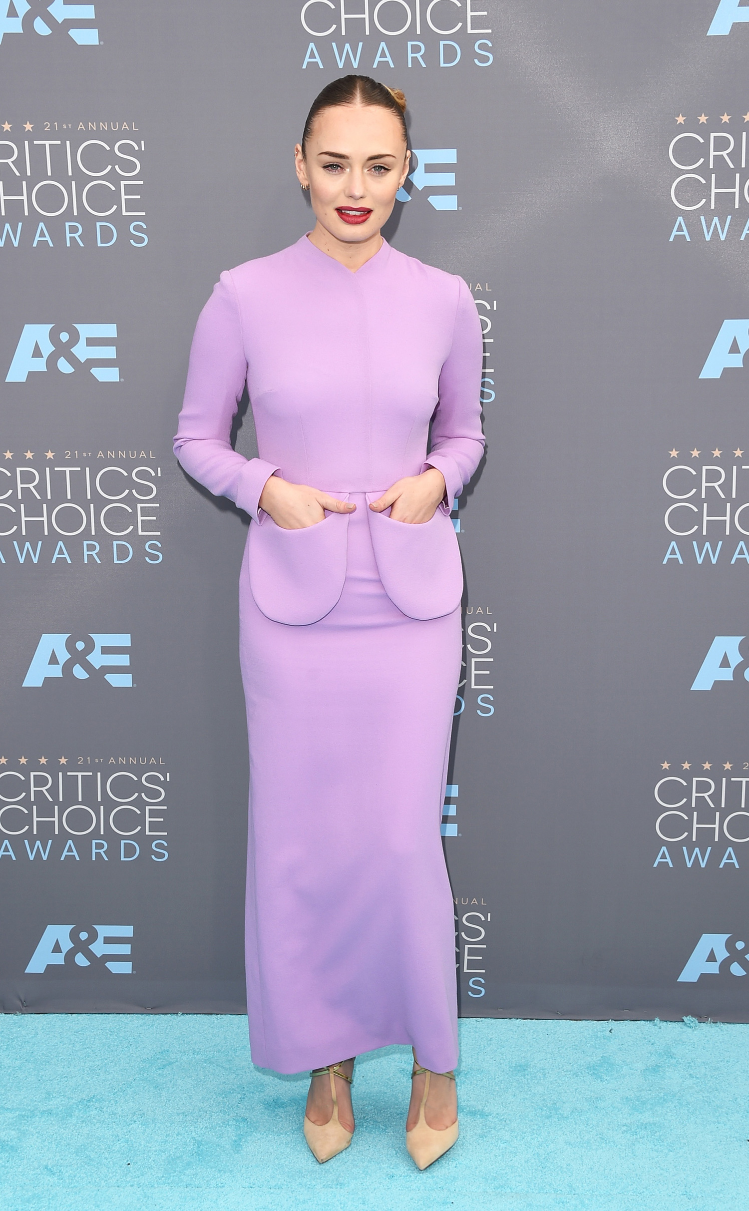Laura -Haddock --on-red-carpet-2016-critics-choice-awards-in-santa-monica-1