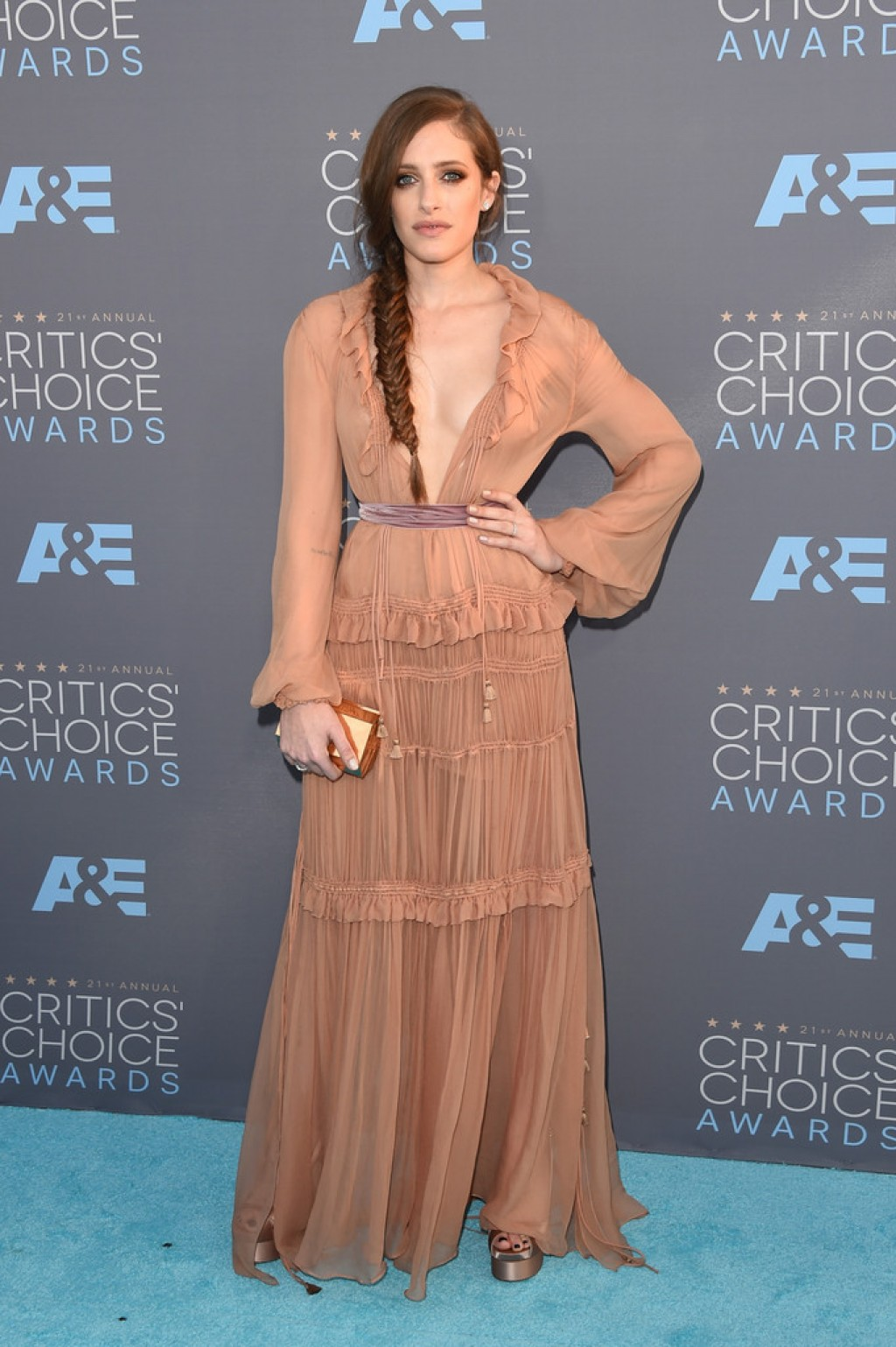 carly-chaikin-critics-choice-awards-chloe-fall-2015-dress-1024x1539