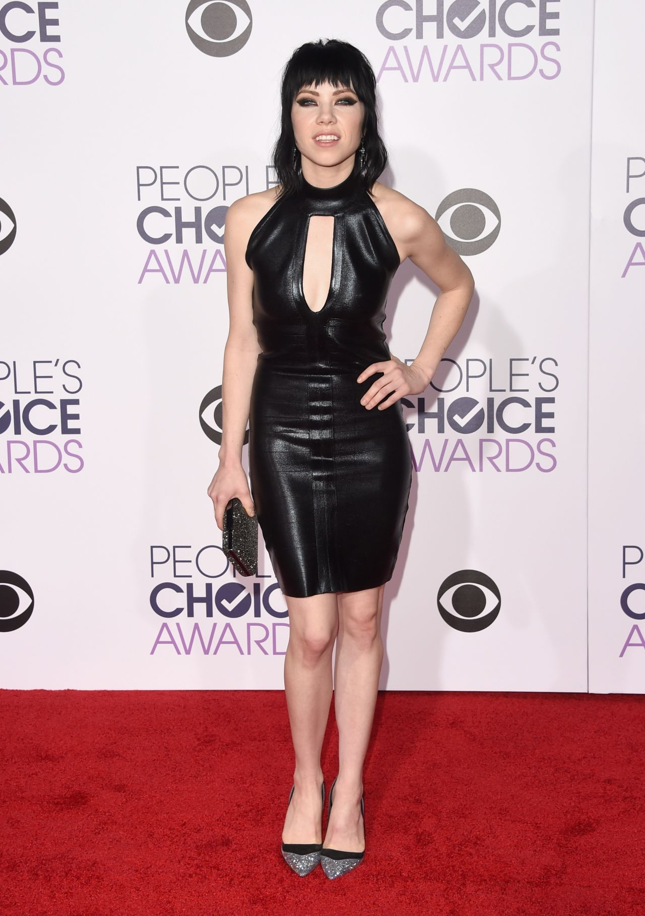 carly-rae-jepsen-2016-people-s-choice-awards-in-microsoft-theater-in-los-angeles-1
