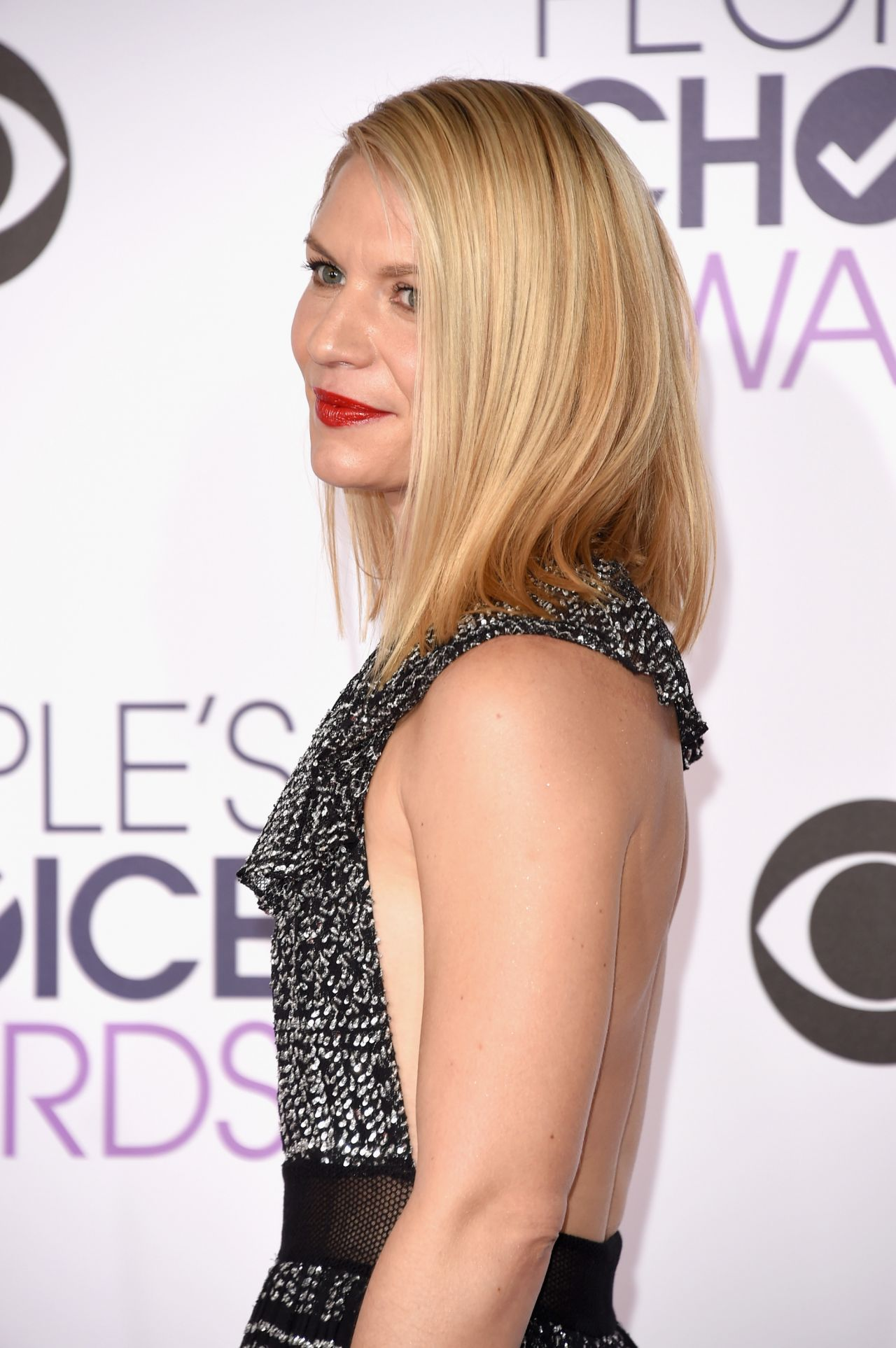 claire-danes-2016-people-s-choice-awards-in-microsoft-theater-in-los-angeles-5