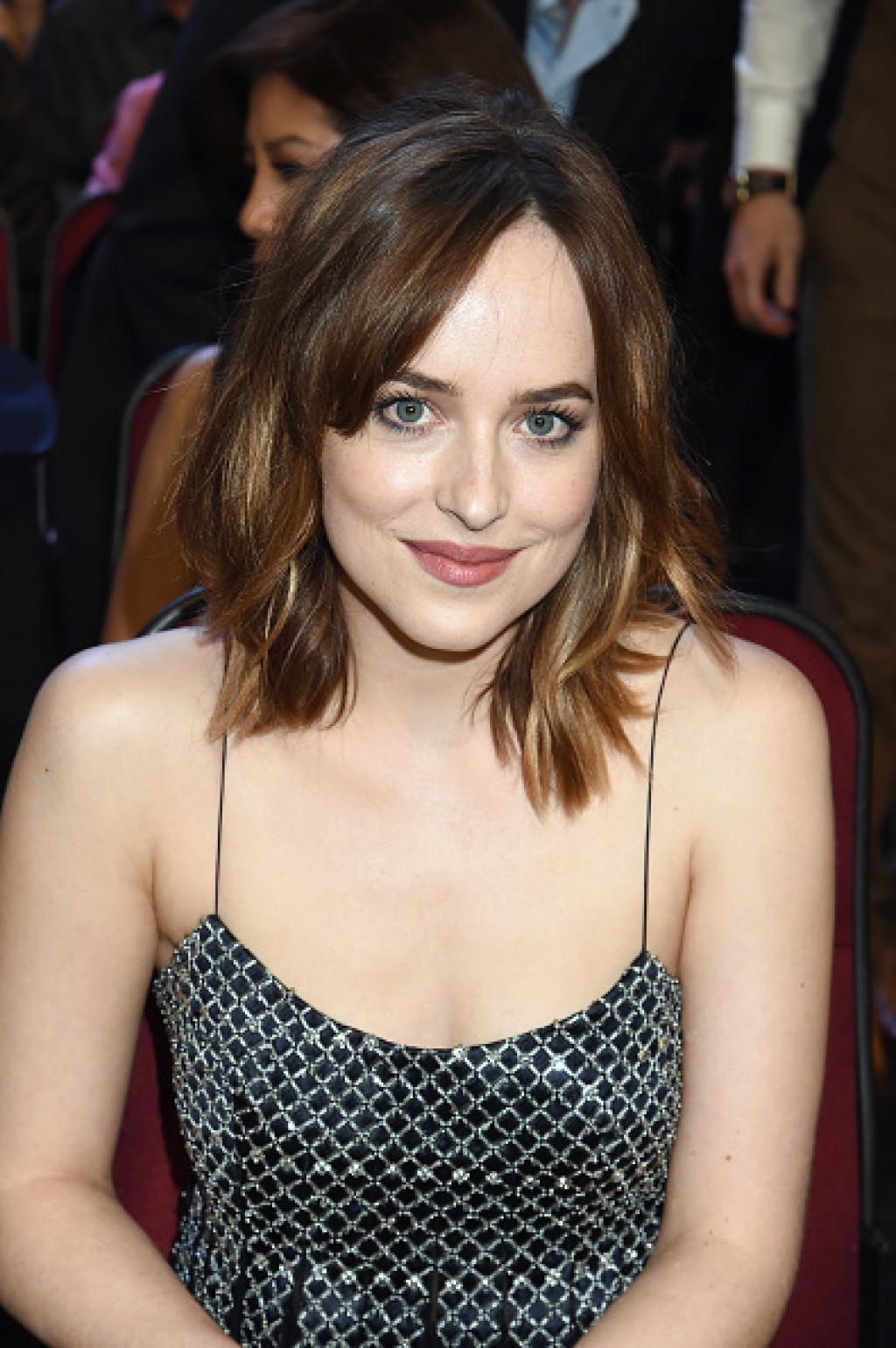 dakota-johnson-peoples-choice-2016-1024x1539