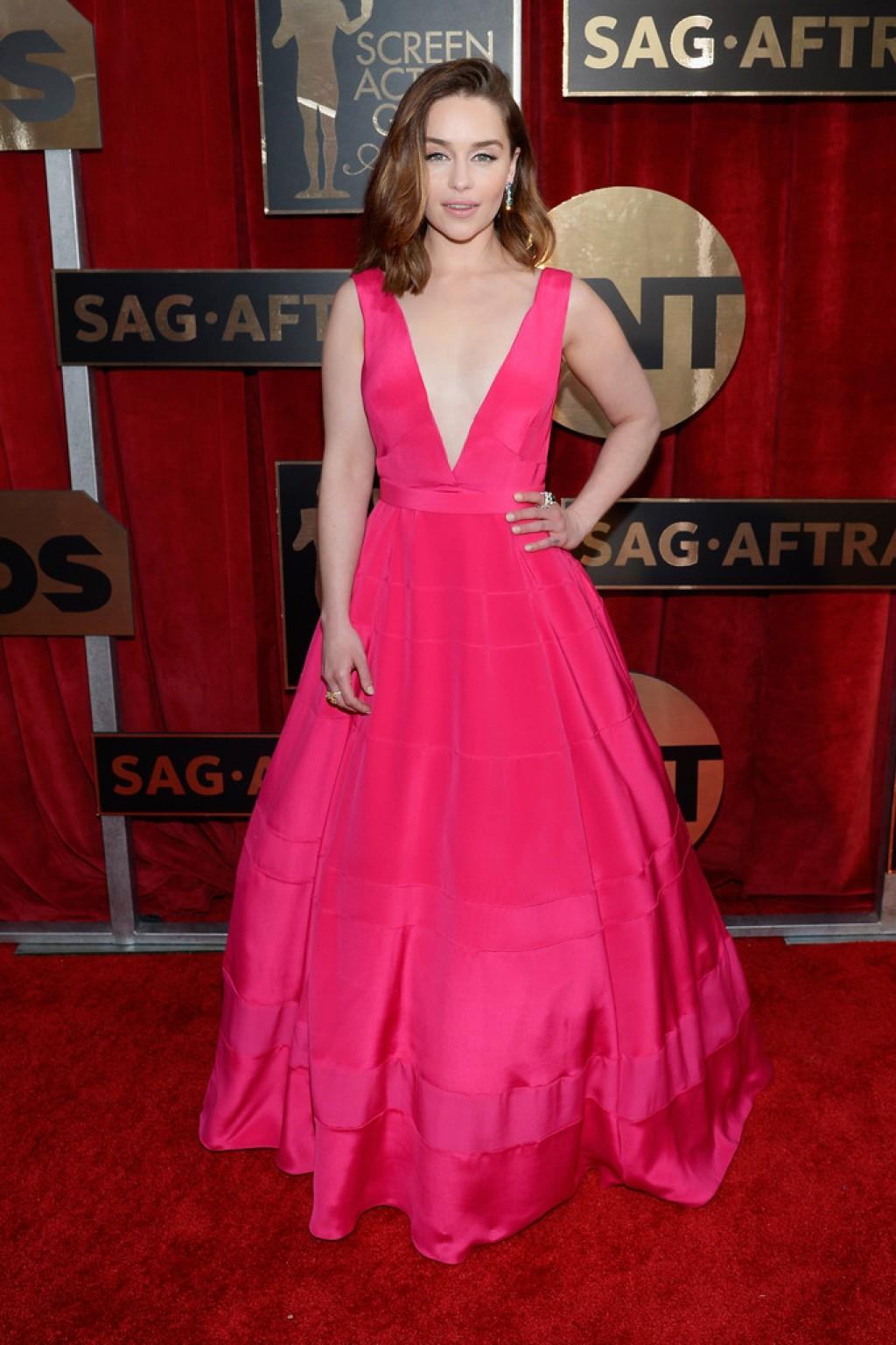 emilia-clarke-2016-sag-dior-haute-couture-gown-style-1024x1537