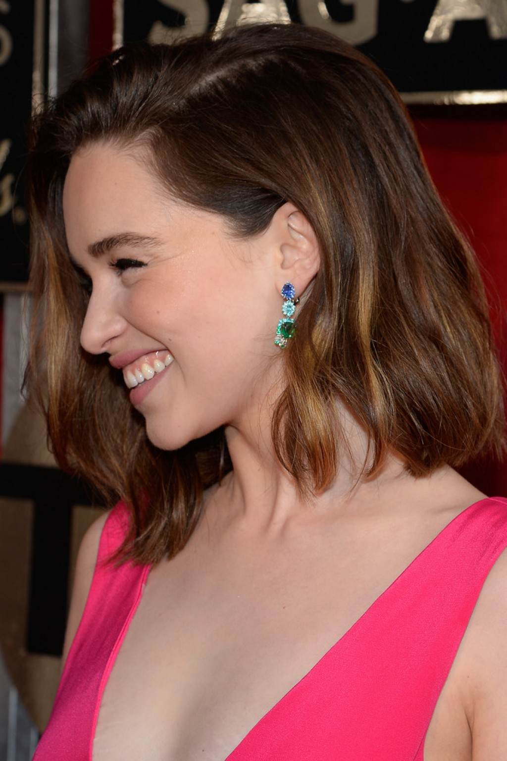 emilia-clarke-2016-sag-earrings-1024x1537