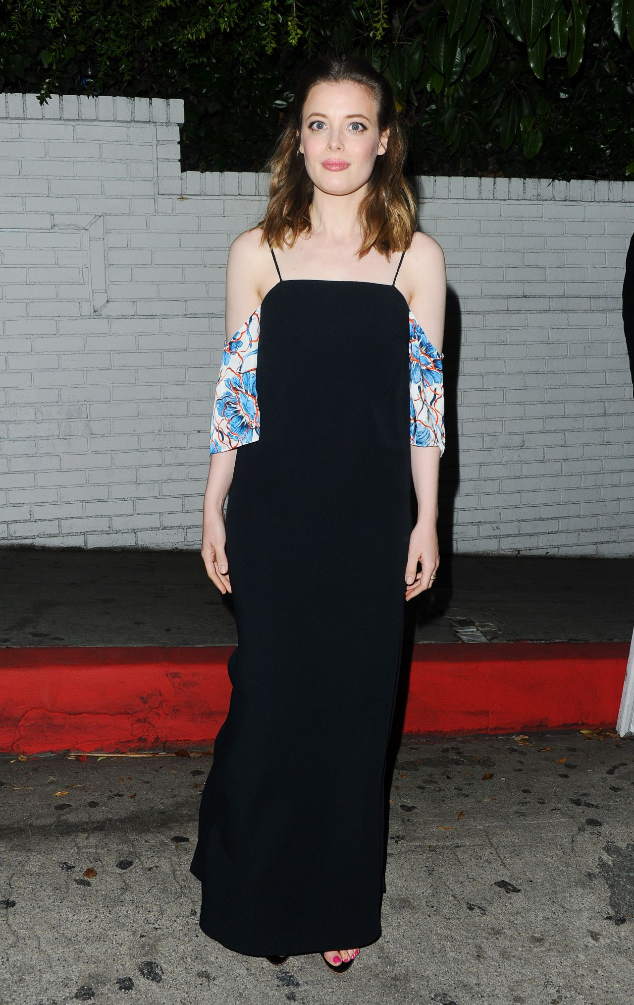 gillian-jacobs-w-magazine-s-2016-golden-globes-party-in-los-angeles-1