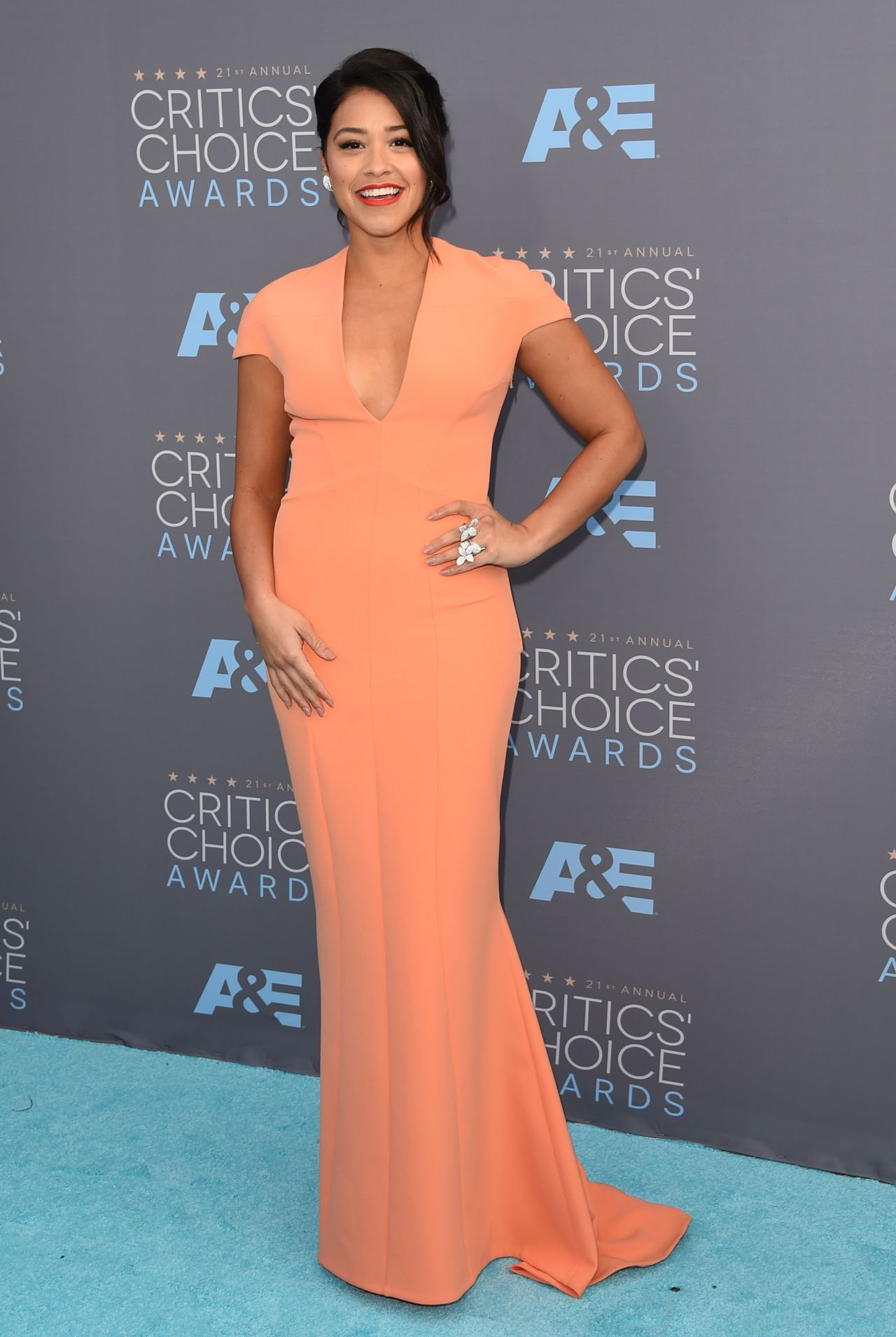 gina-rodriguez-2016-critics-choice-awards-in-santa-monica-4