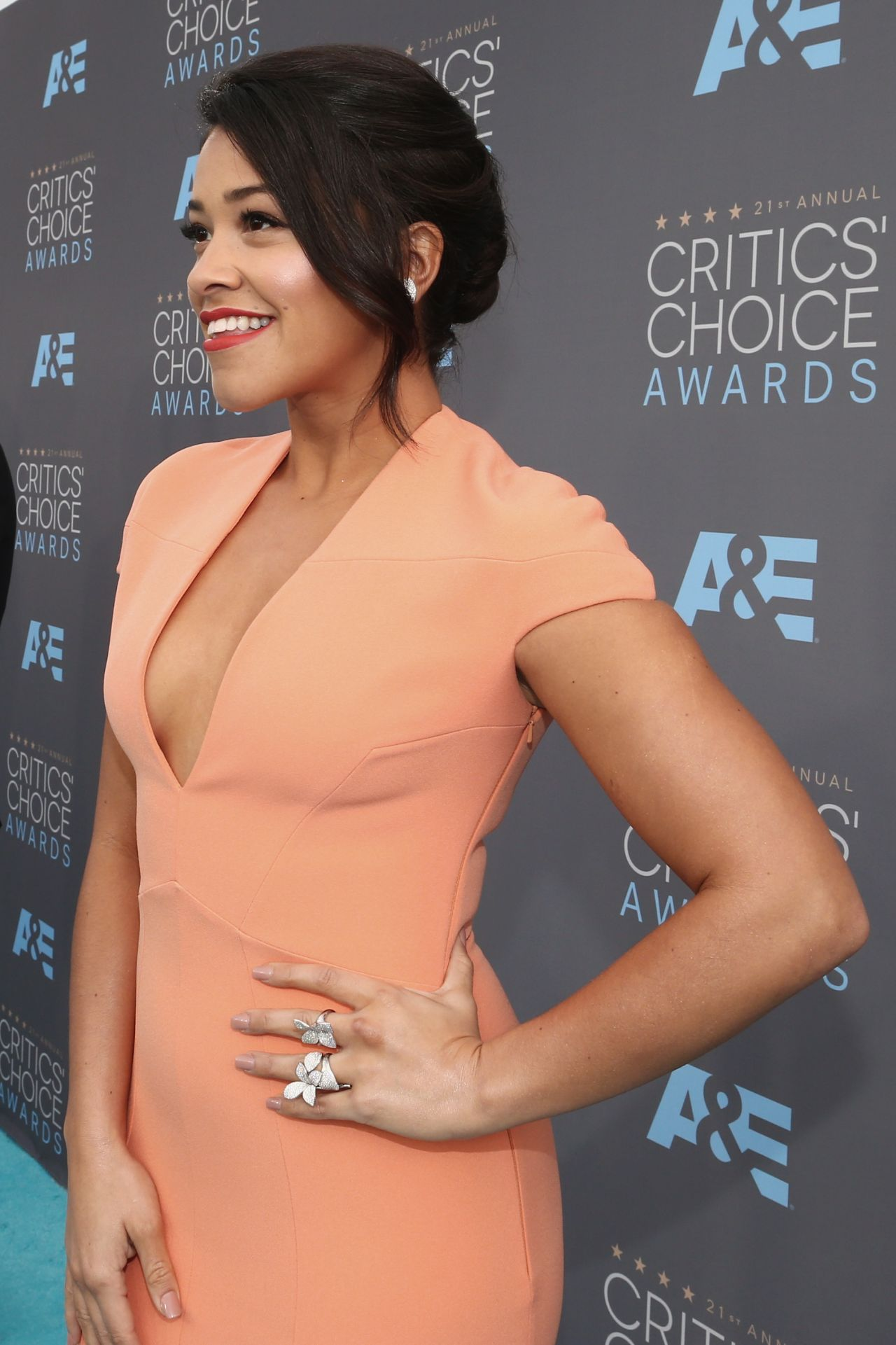 gina-rodriguez-2016-critics-choice-awards-in-santa-monica-5