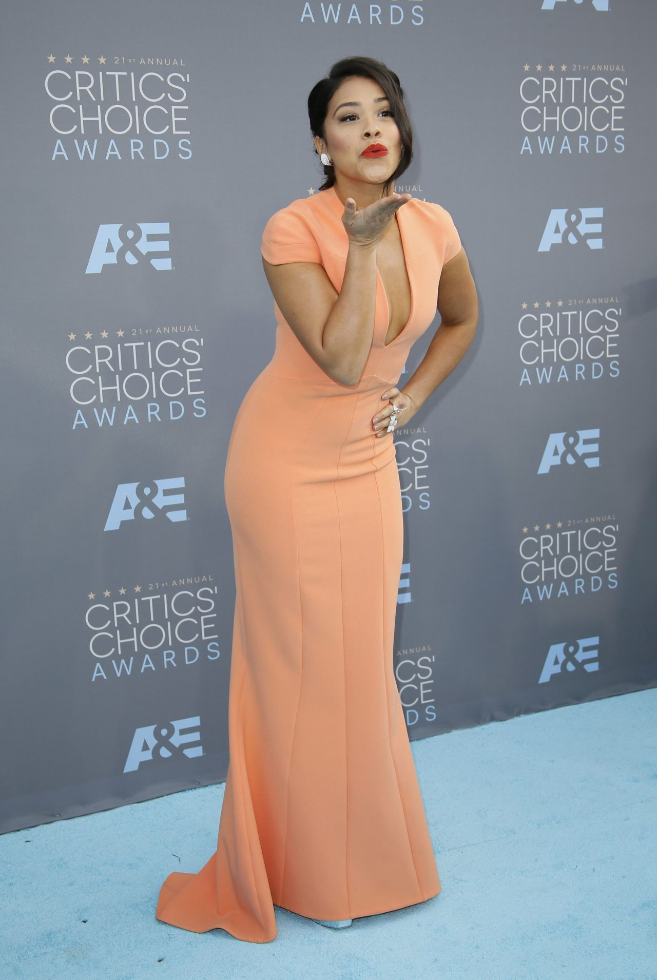 gina-rodriguez-2016-critics-choice-awards-in-santa-monica-6