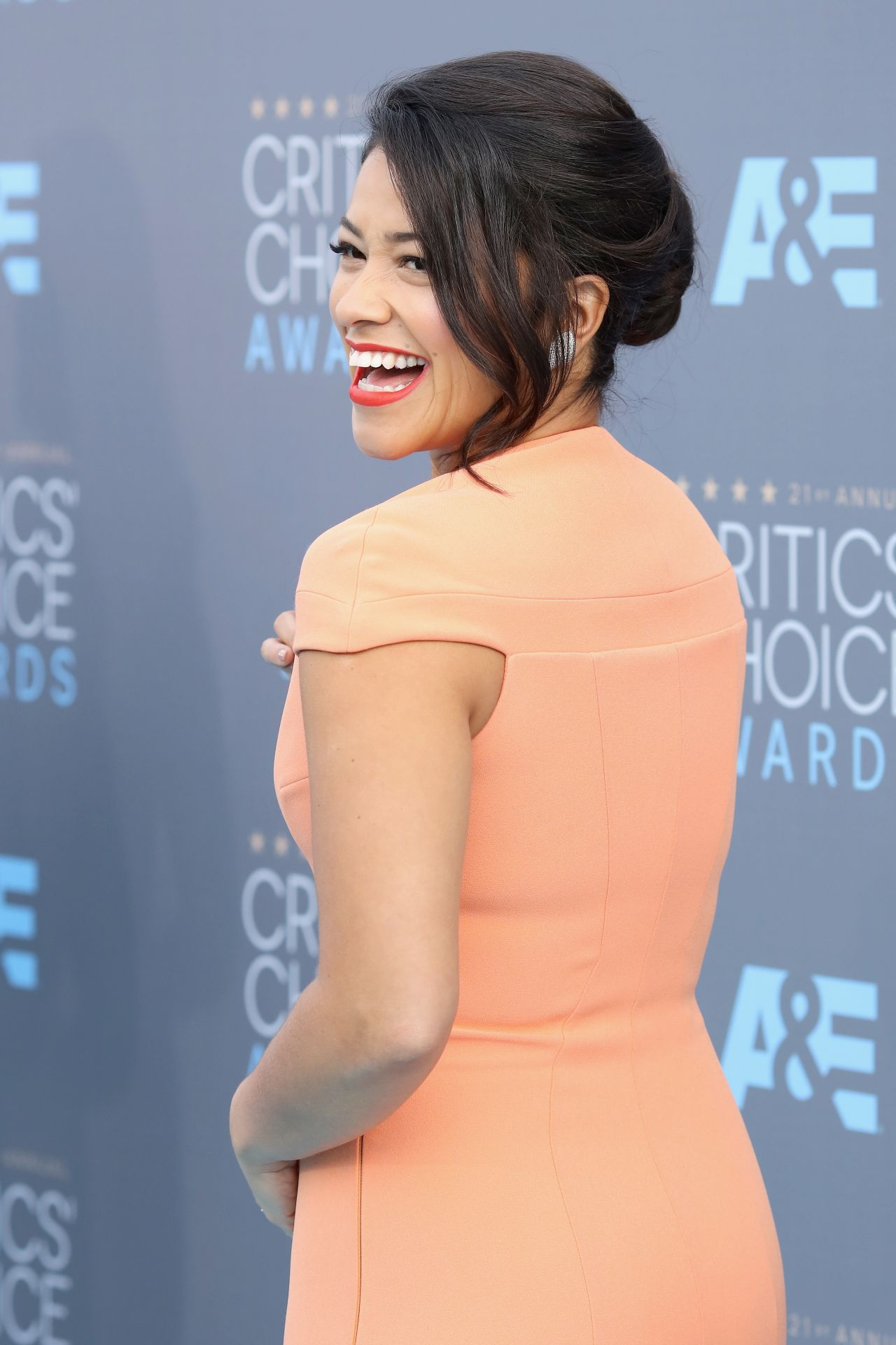 gina-rodriguez-2016-critics-choice-awards-in-santa-monica-8