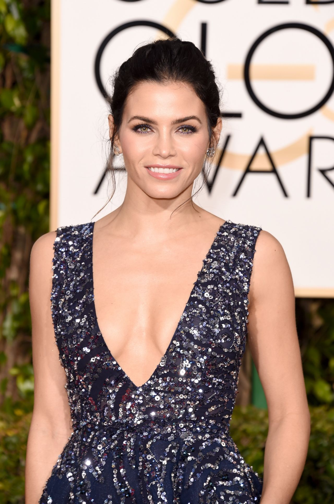 jenna-dewan-tatum-2016-golden-globe-awards-in-beverly-hills-1