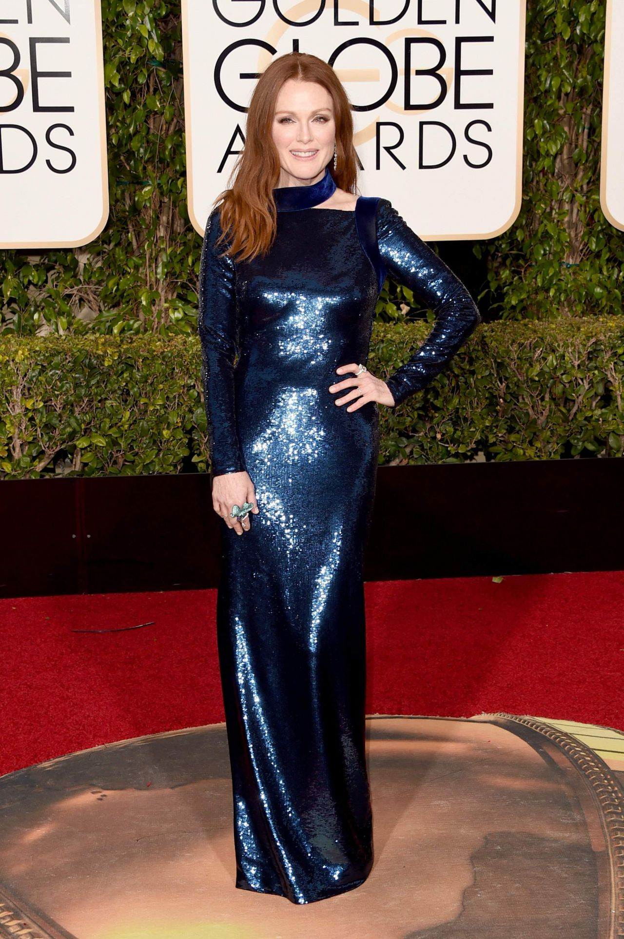 julianne-moore-2016-golden-globe-awards-in-beverly-hills-3