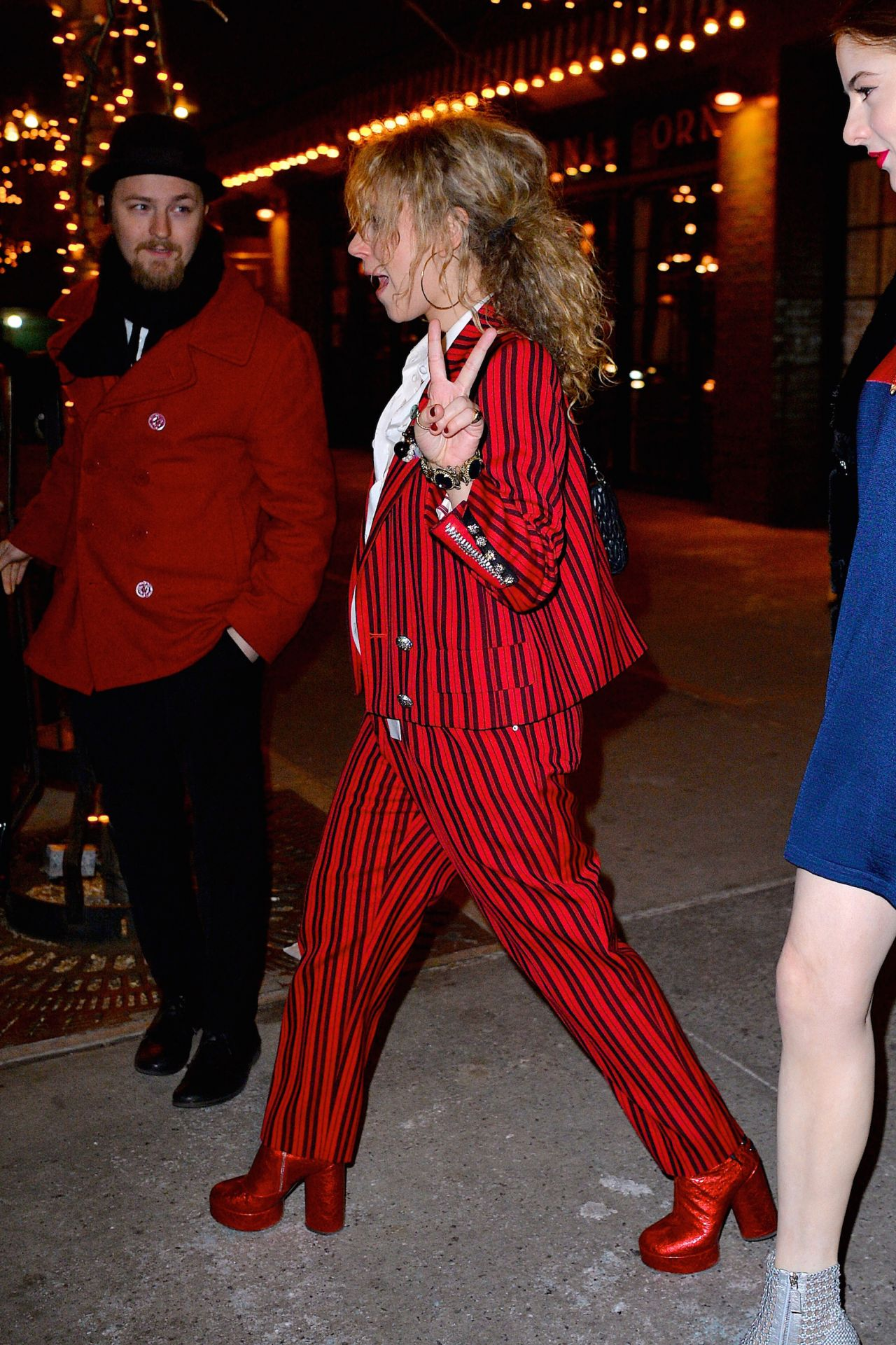 juno-temple-and-emily-tremaine-step-out-together-to-attend-marc-jacob-s-event-at-the-hotel-wolcott-in-new-york-11