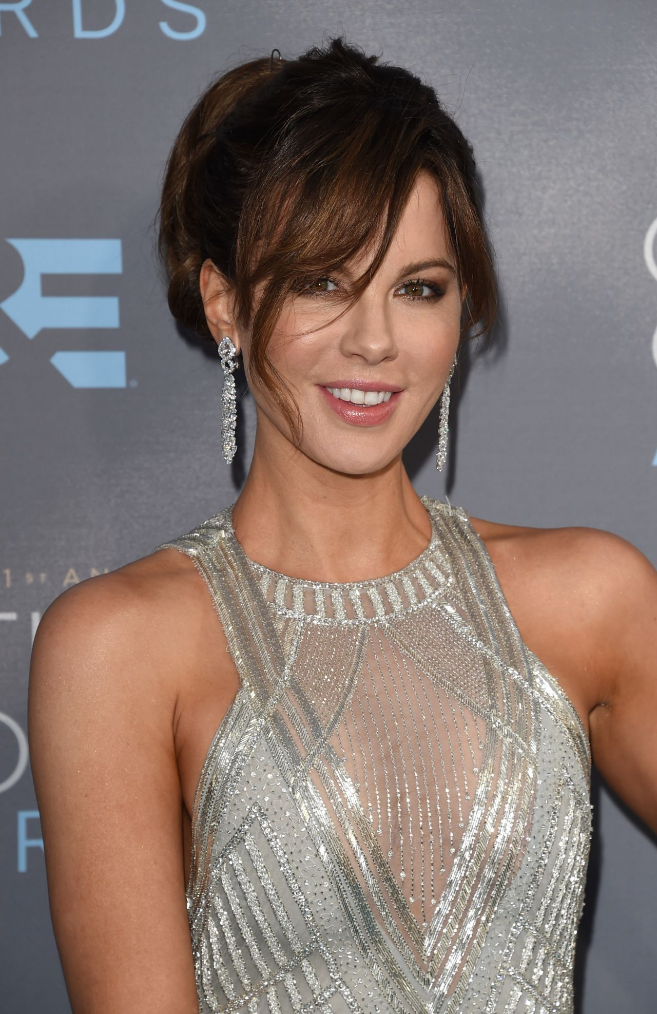 kate-beckinsale-2016-critics-choice-awards-in-santa-monica-4
