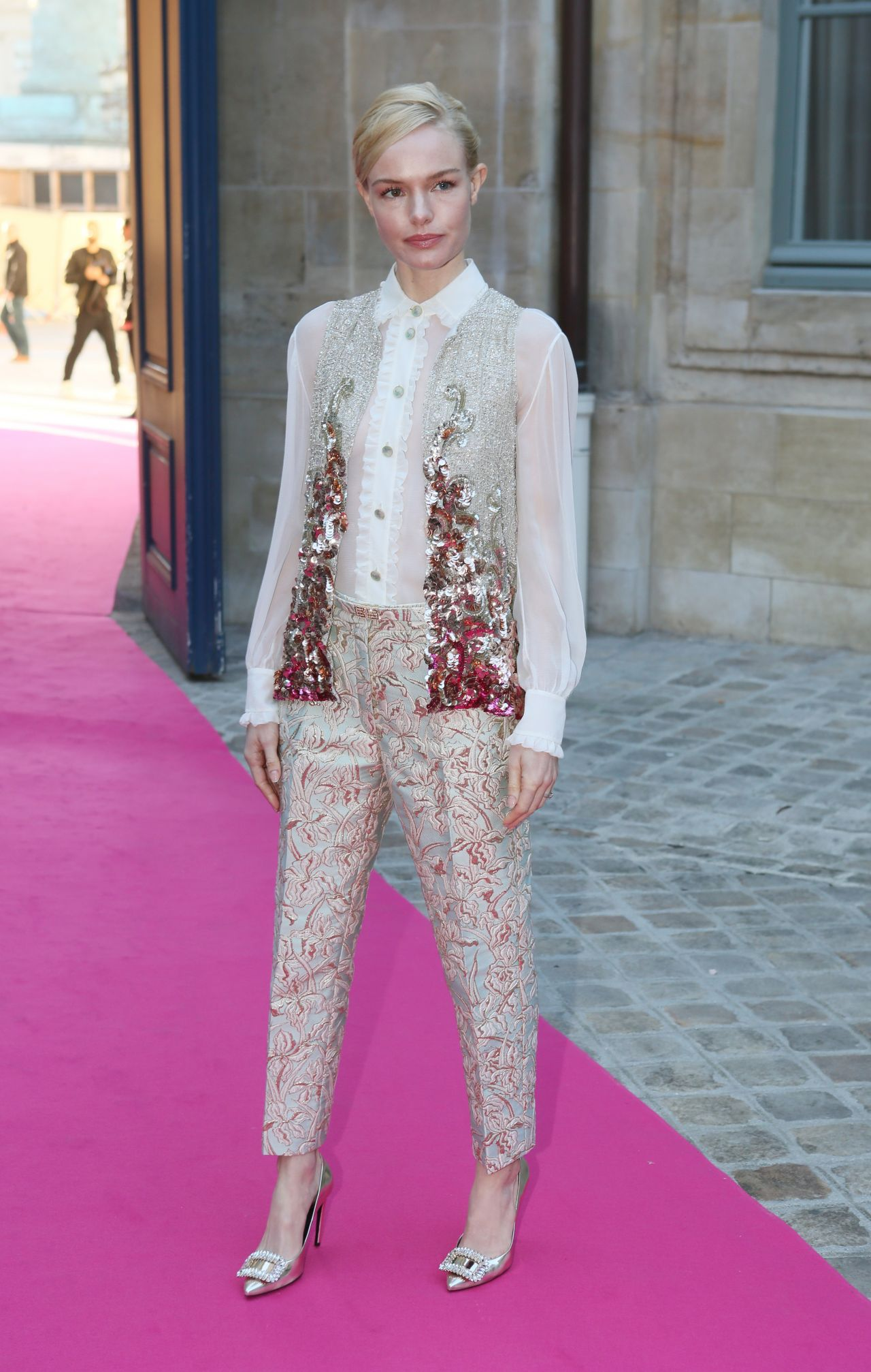kate-bosworth-schiaparelli-haute-couture-spring-summer-2016-fashion-show-in-paris-1