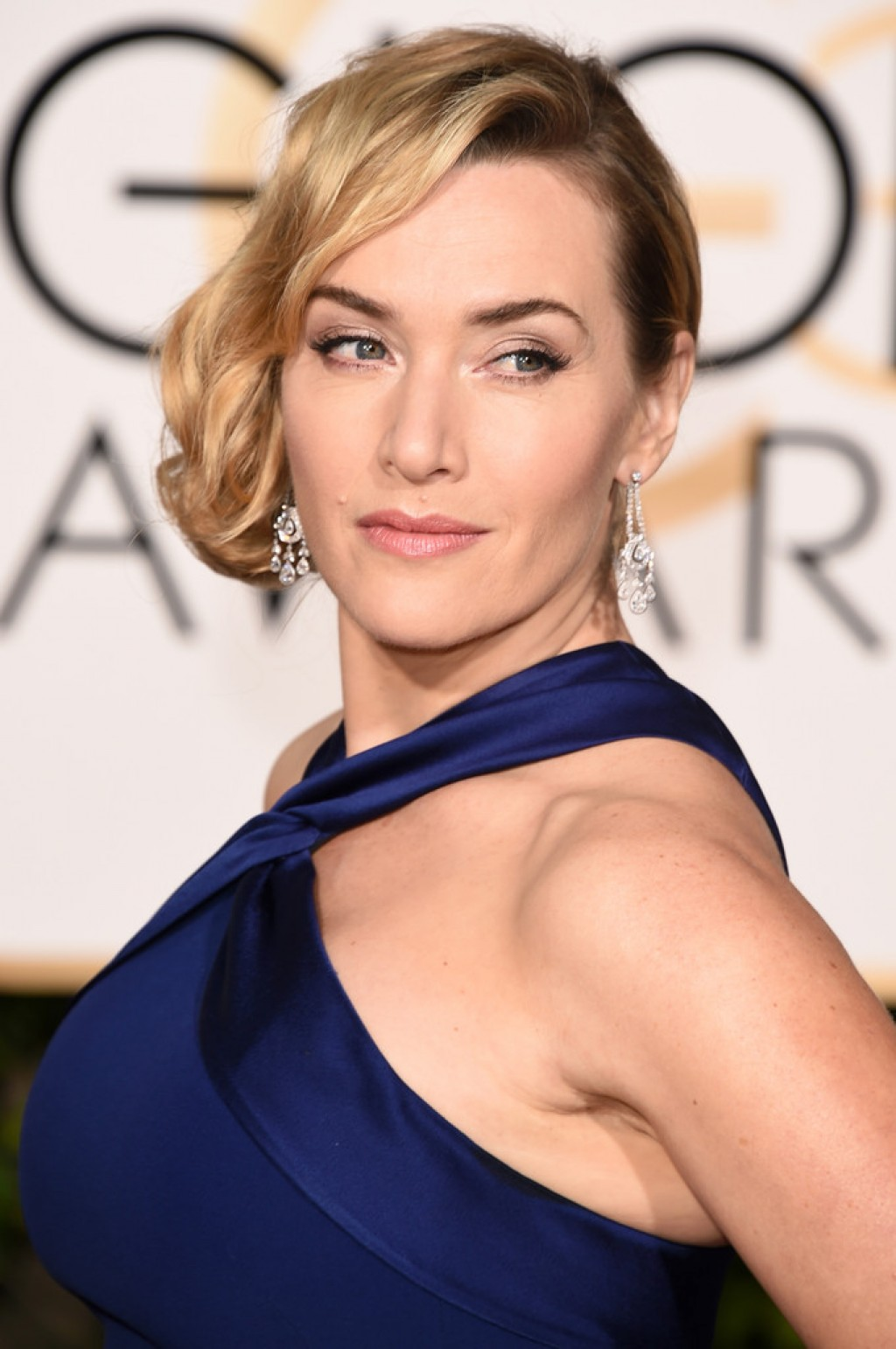 Kate Winslet In Ralph Lauren – 2016 Golden Globe Awards - FASHION ...