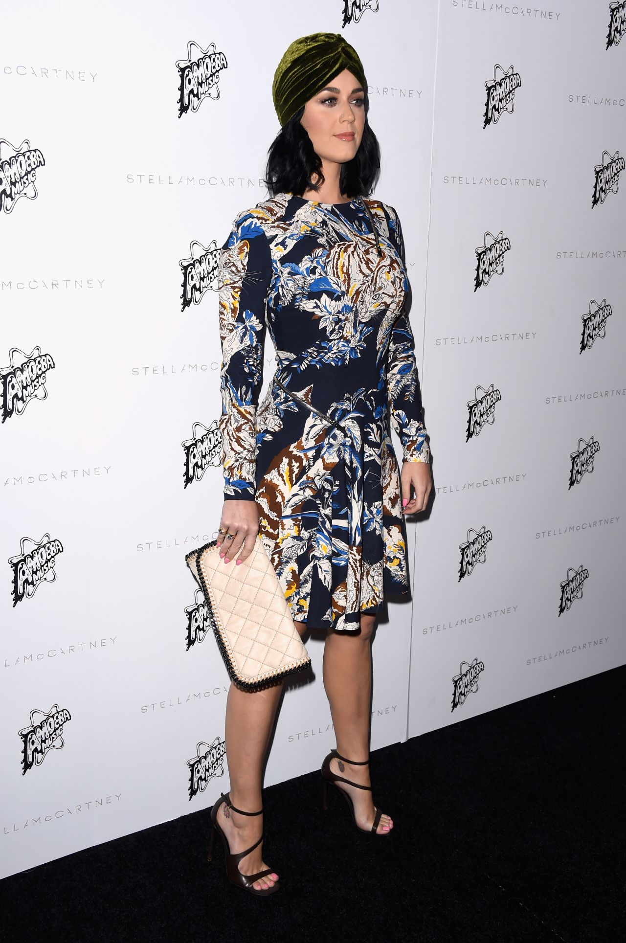 katy-perry-stella-mccartney-autumn-2016-presentation-in-los-angeles-ca-12