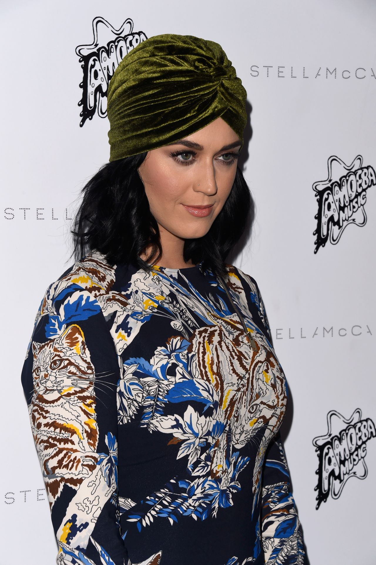 katy-perry-stella-mccartney-autumn-2016-presentation-in-los-angeles-ca-15
