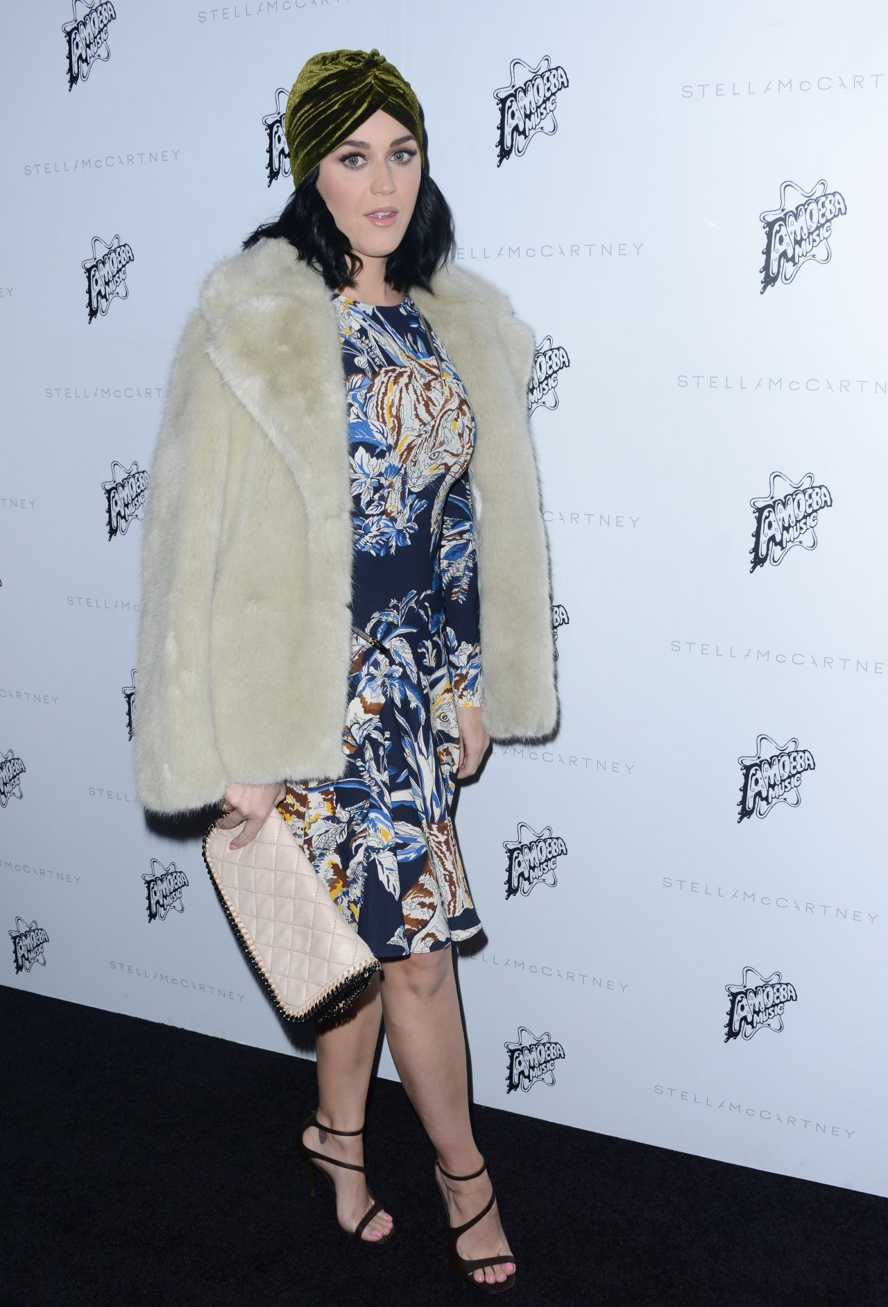katy-perry-stella-mccartney-autumn-2016-presentation-in-los-angeles-ca-24