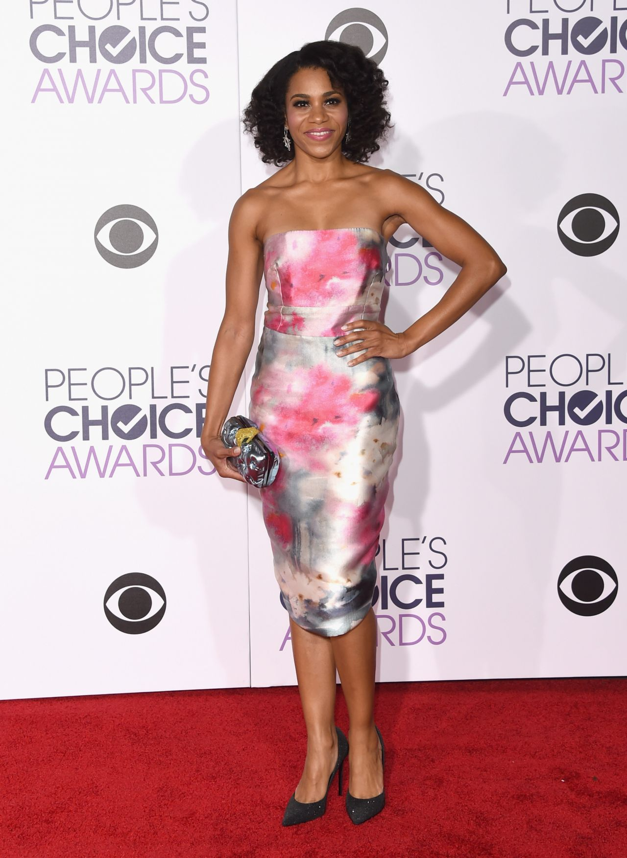 kelly-mccreary-2016-people-s-choice-awards-in-microsoft-theater-in-los-angeles-1