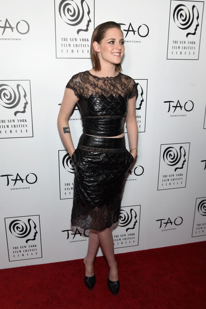 kristen-stewart-2015-new-york-film-critics-circle-awards-11