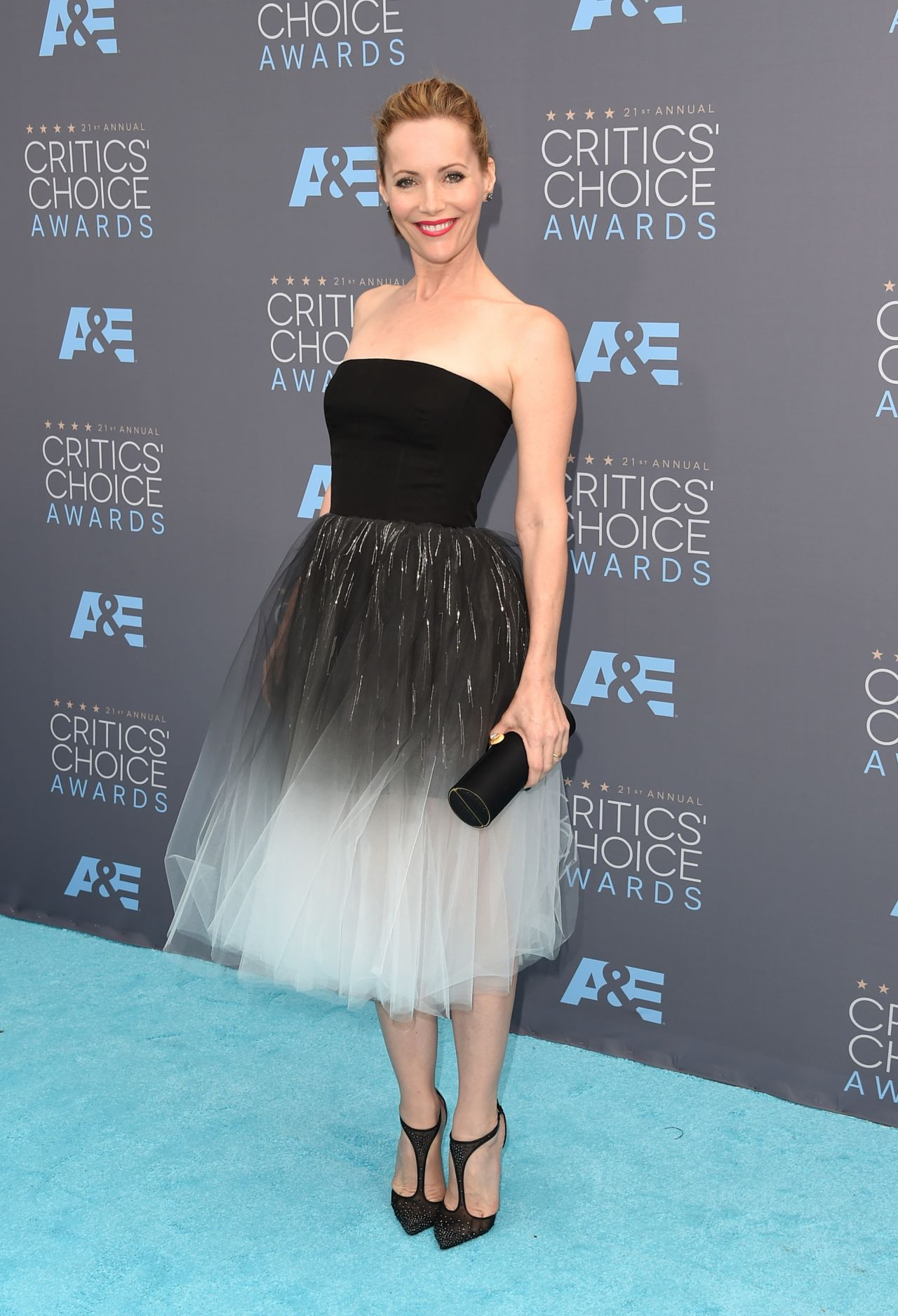 leslie-mann-2016-critics-choice-awards-in-santa-monica-1