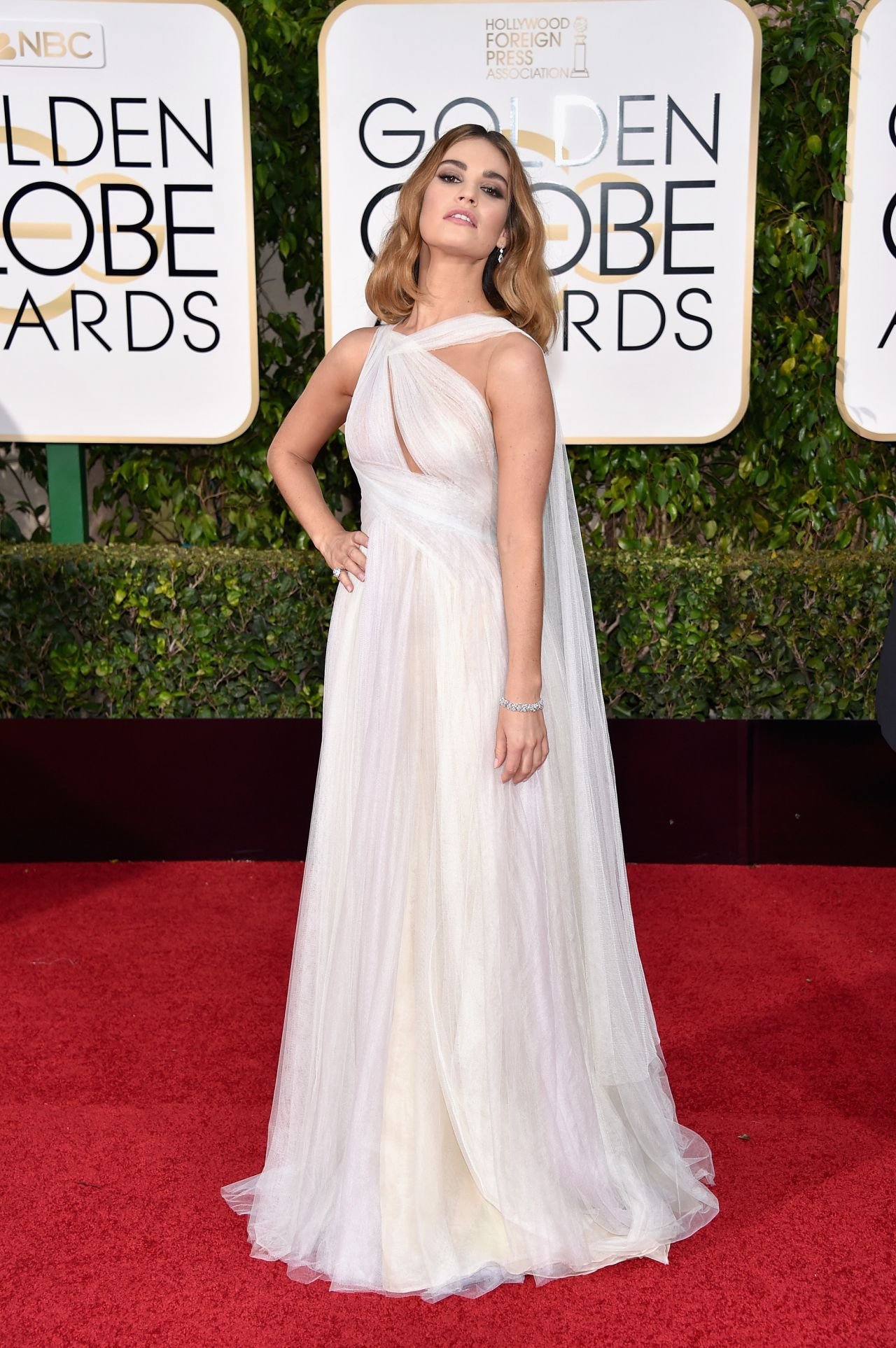 lily-james-2016-golden-globe-awards-in-beverly-hills-6