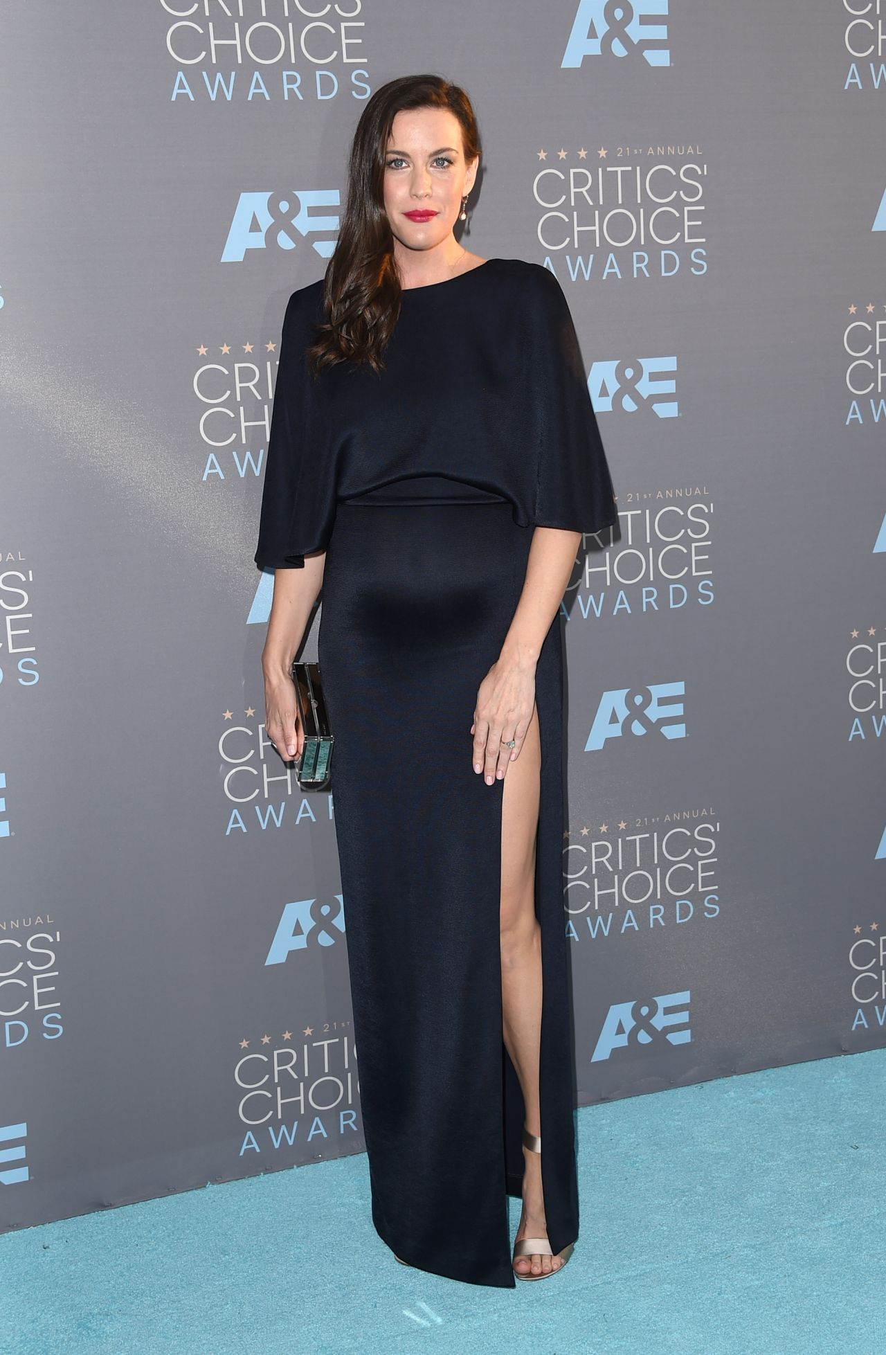 liv-tyler-on-red-carpet-2016-critics-choice-awards-in-santa-monica-1
