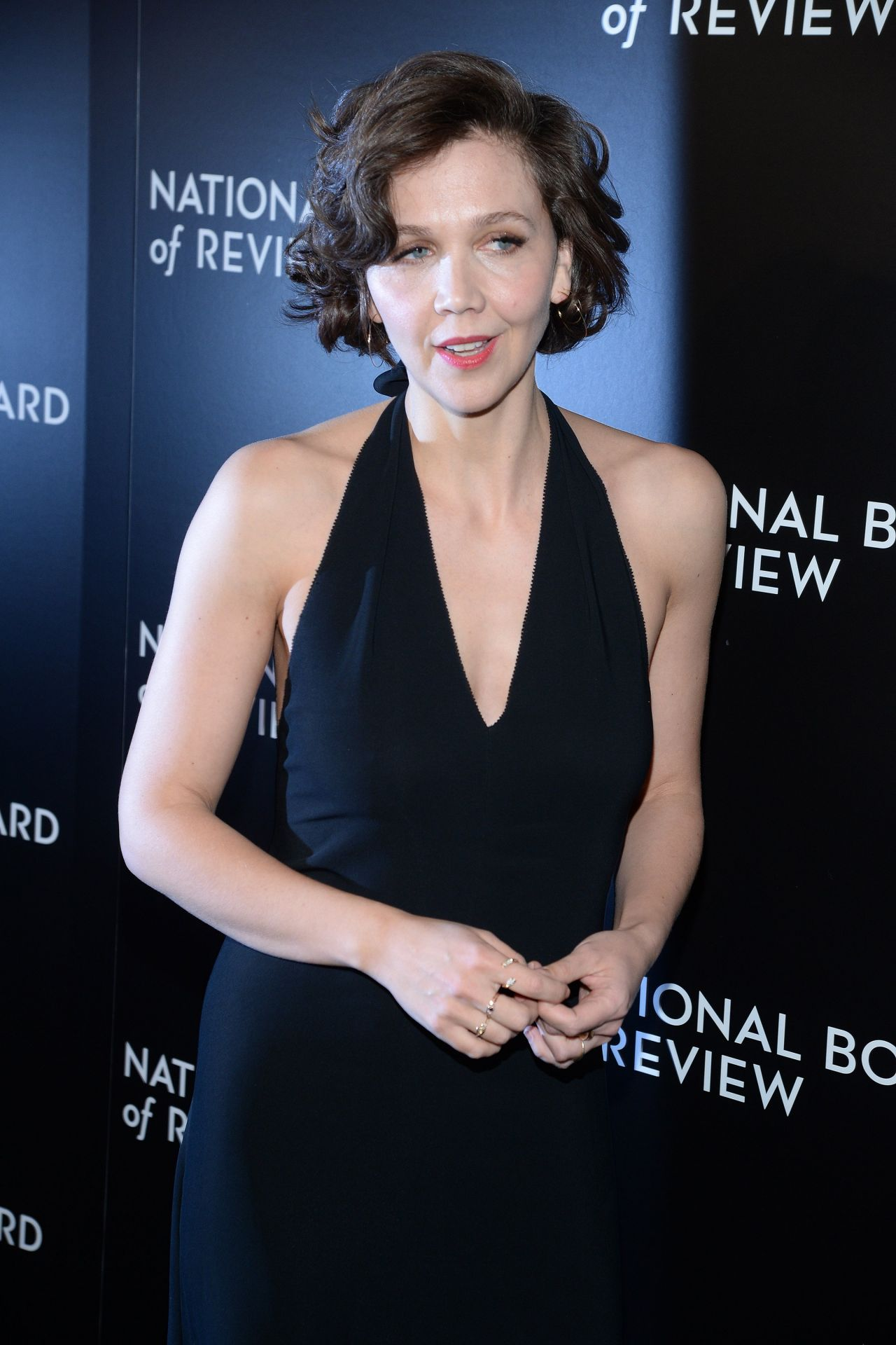 maggie-gyllenhaal-2015-national-board-of-review-awards-gala-in-new-york-city-14