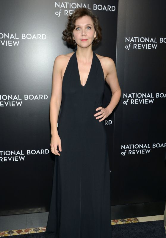 maggie-gyllenhaal-2015-national-board-of-review-awards-gala-in-new-york-city-1_thumbnail