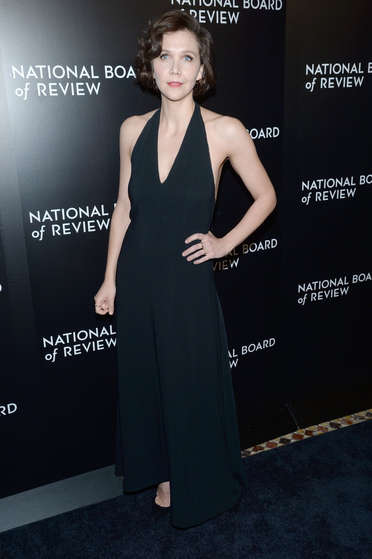 maggie-gyllenhaal-2015-national-board-of-review-awards-gala-in-new-york-city-8