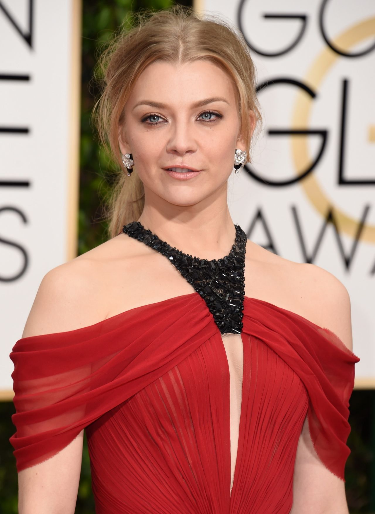 natalie-dormer-2016-golden-globe-awards-in-beverly-hills-6