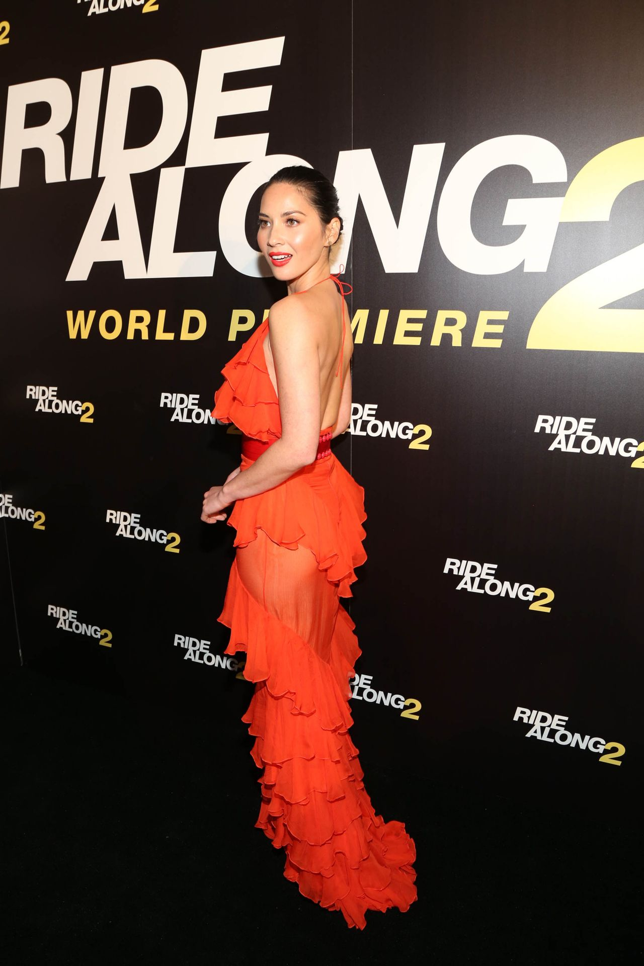 olivia-munn-ride-along-2-premiere-in-miami-3