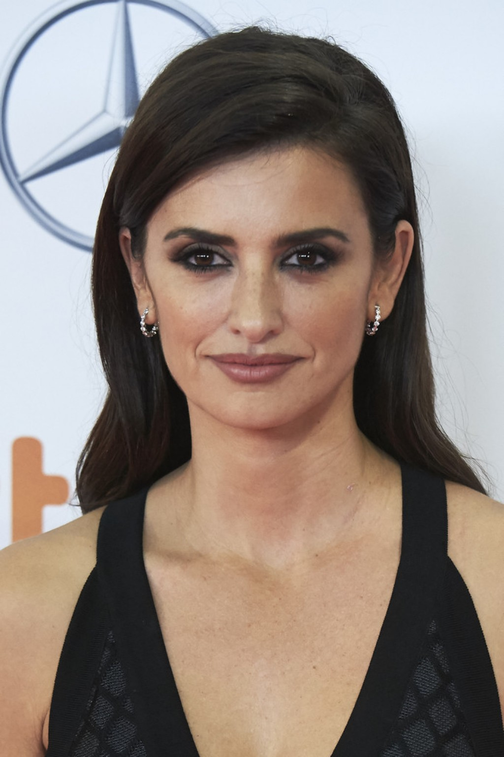 penelope-cruz-jose-maria-forque-awards-makeup-1024x1537