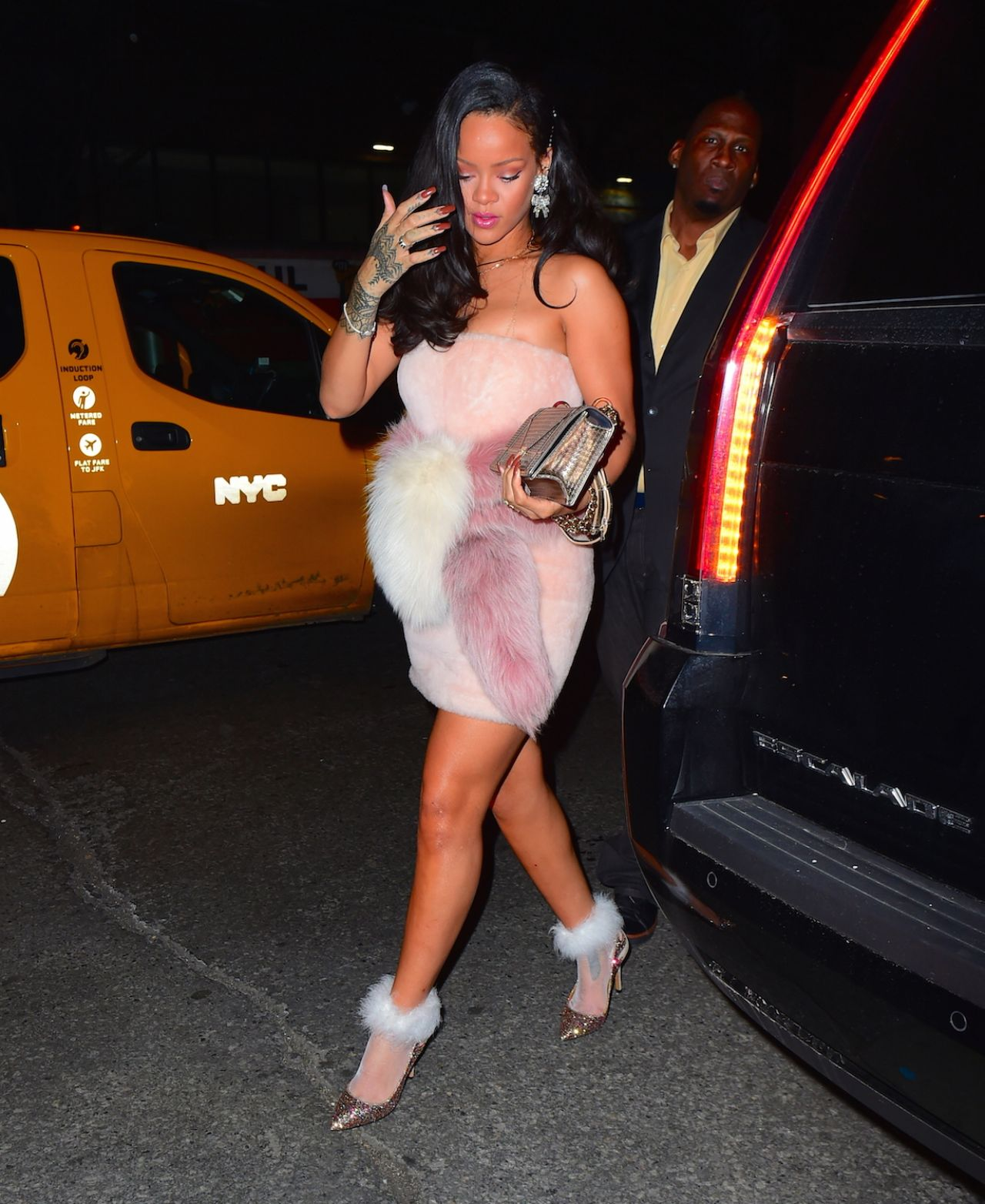rihanna-night-out-style-outside-sono-club-in-new-york-city-01-01-2016-1-1