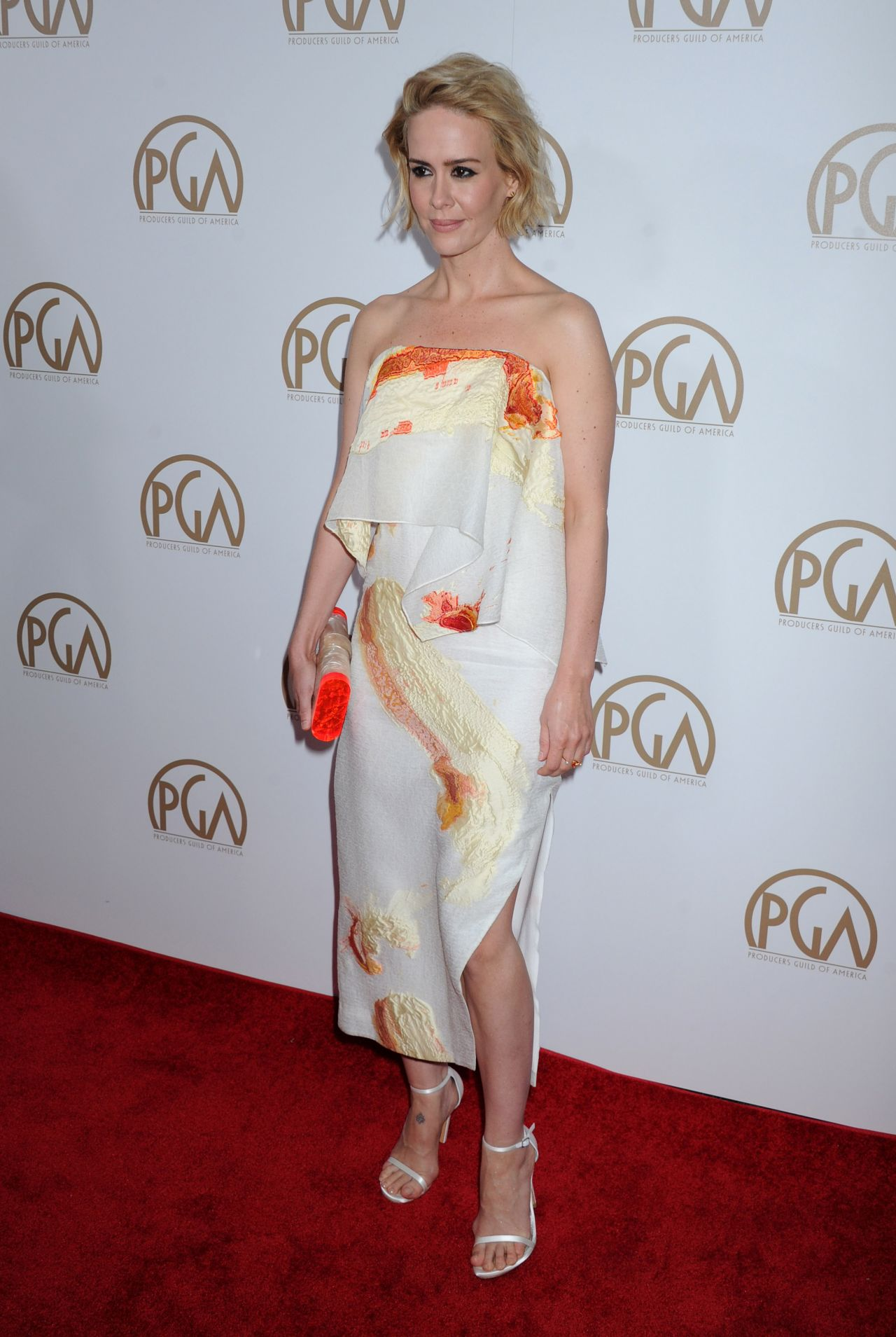 sarah-paulson-2016-producers-guild-awards-in-los-angeles-5