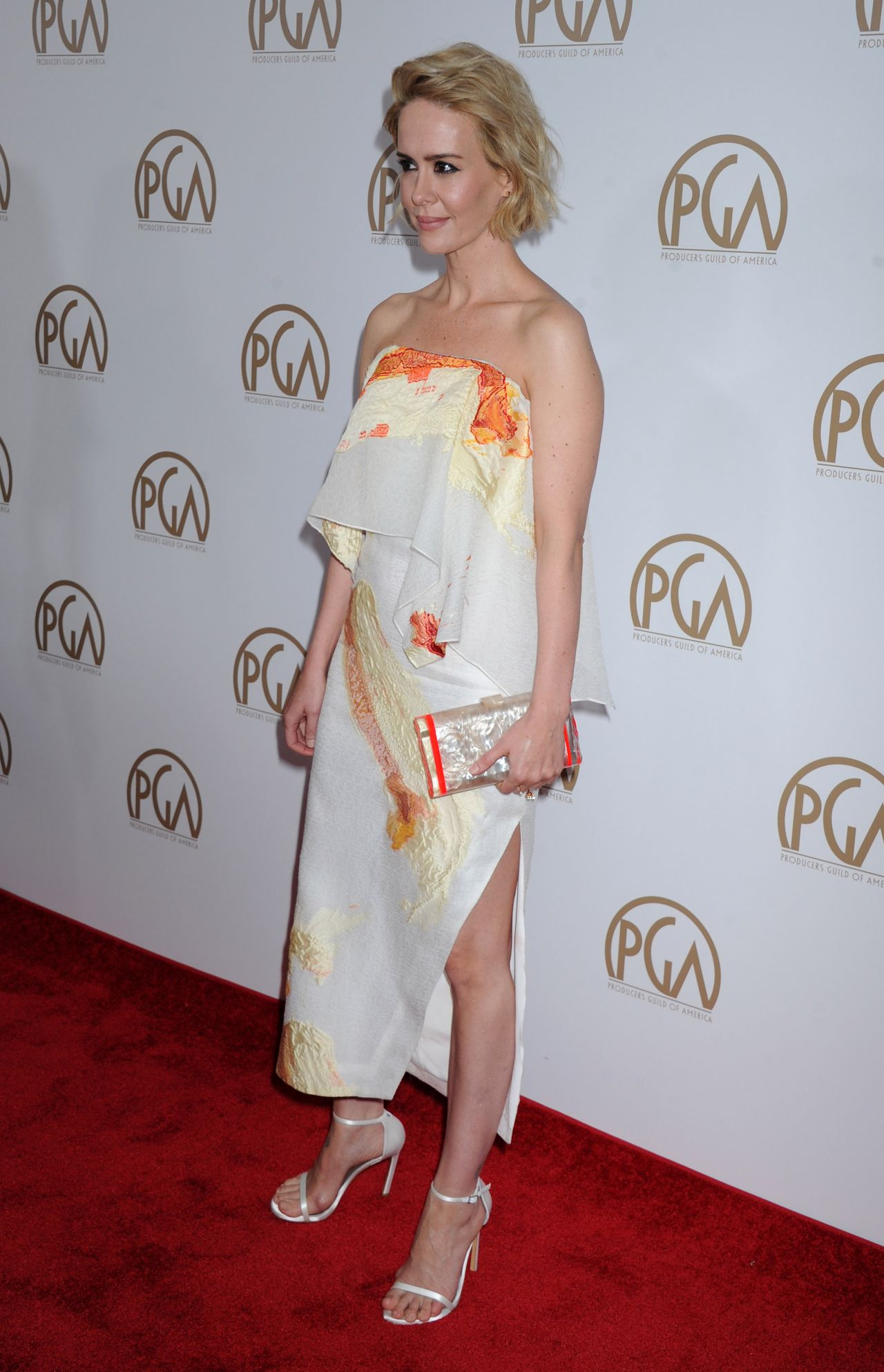 sarah-paulson-2016-producers-guild-awards-in-los-angeles-6