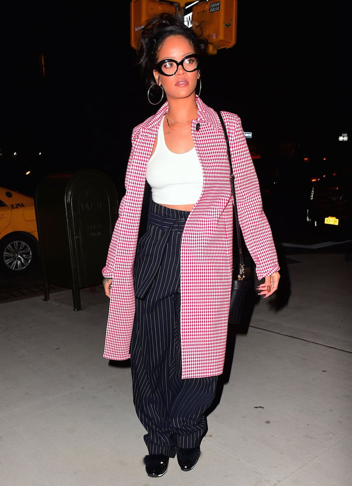 rihanna-spotted-in-celine-out-in-new-york