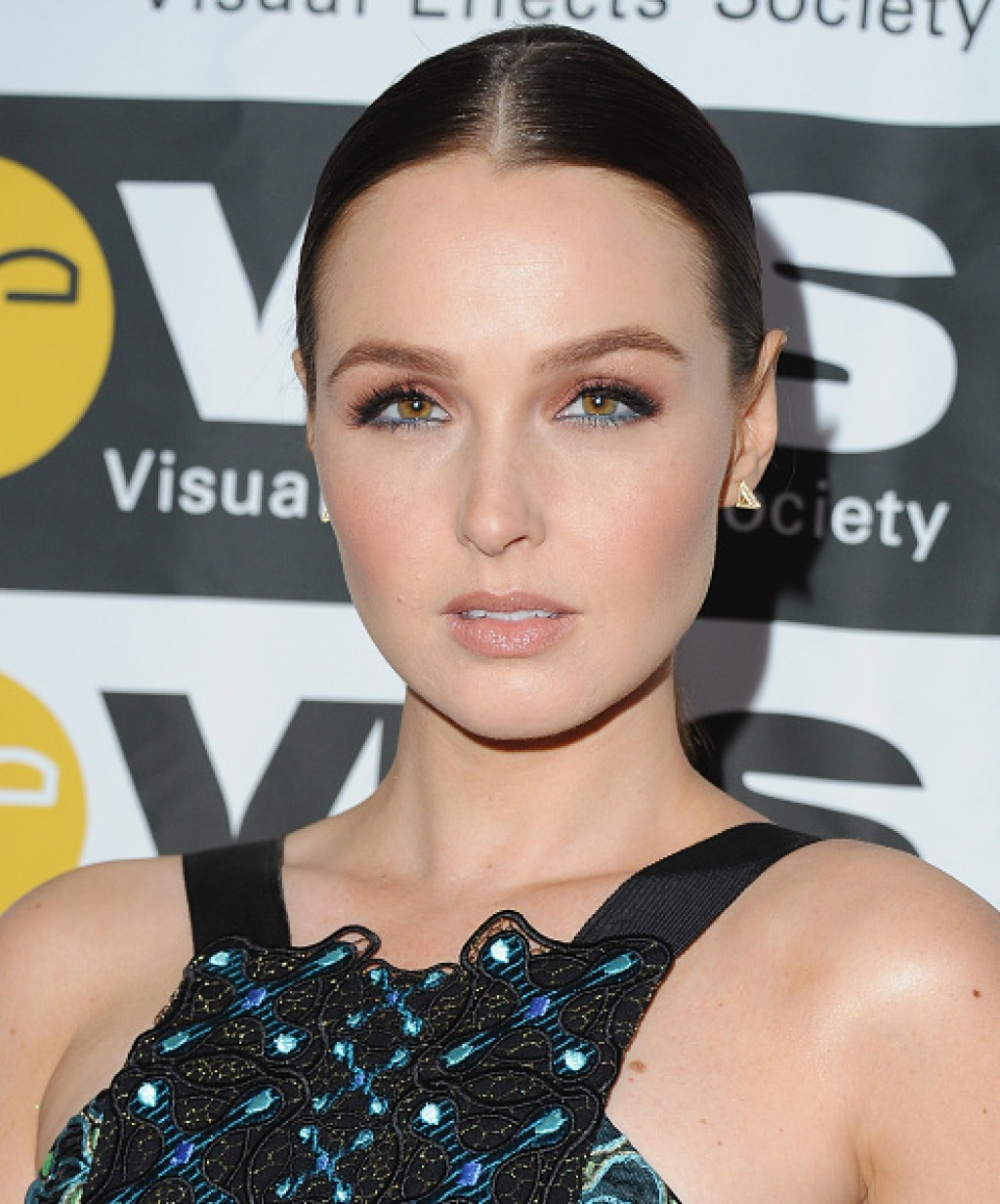 2016-VES-Awards-Camilla-Luddington-1024x1233