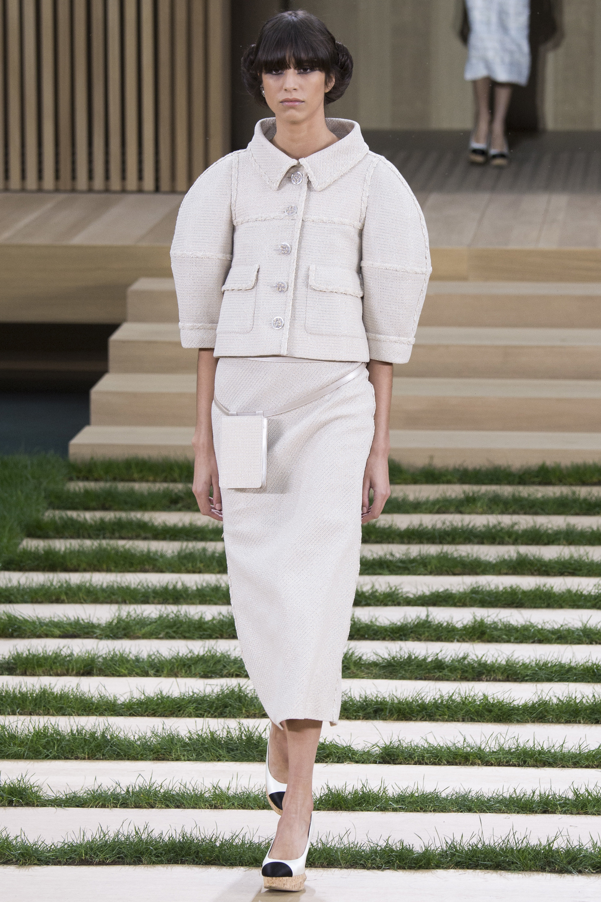 tilda-swinton-in-chanel-couture-at-the-hail-caesar-66th-berlin-film-premiere-opening-ceremony