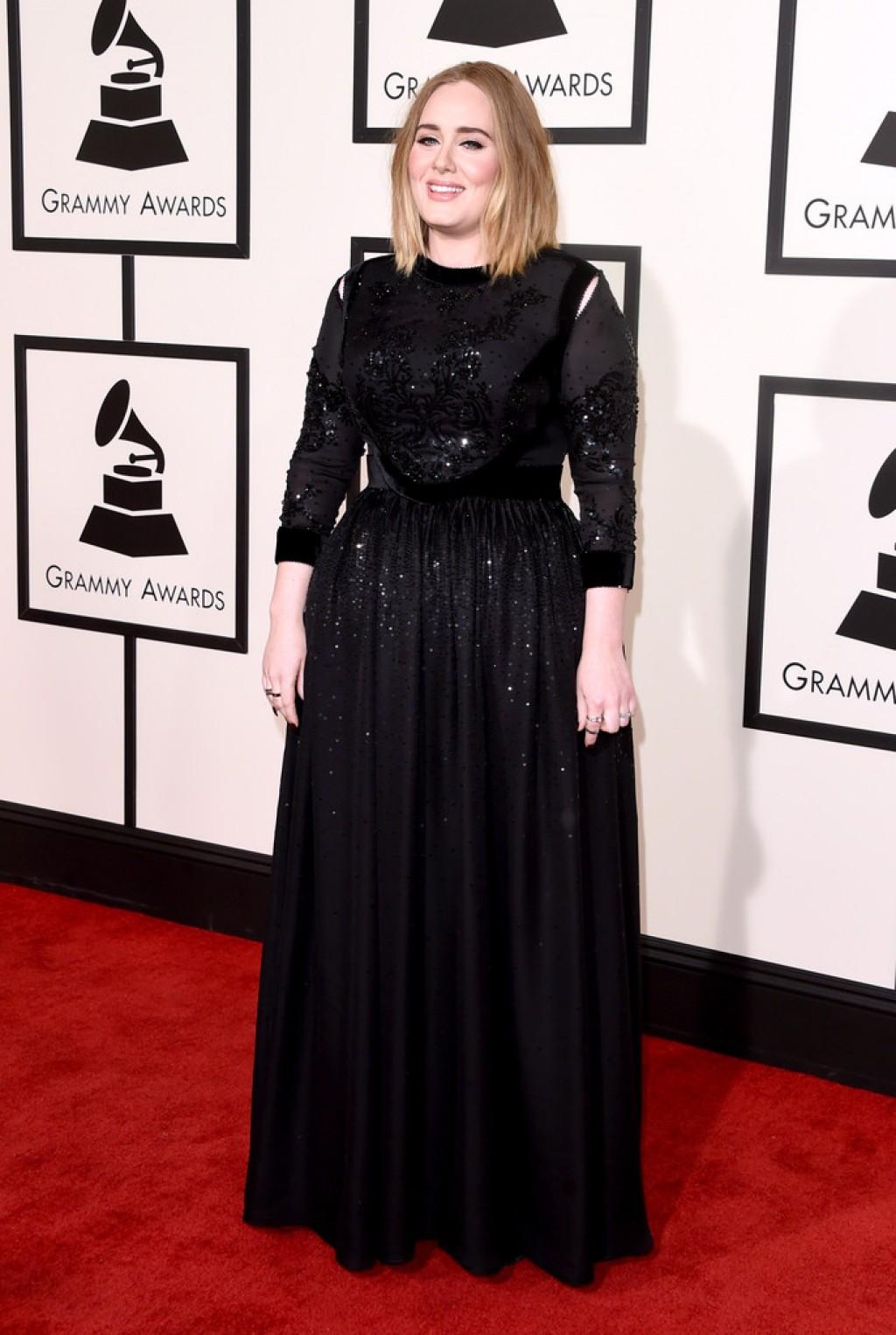 Adele-Wearing-Givenchy-2016-Grammys-1024x1526