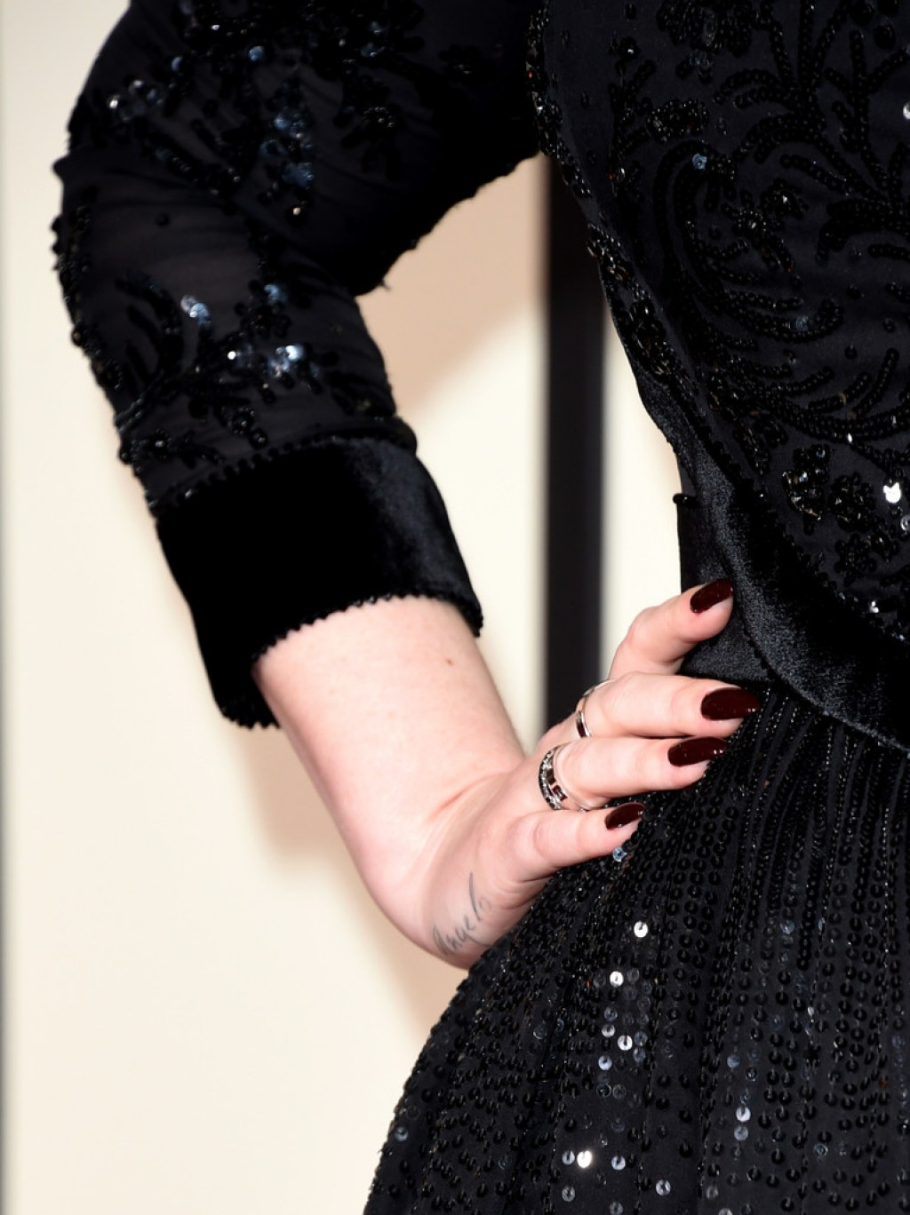 Adele-Wearing-Givenchy-2016-Grammys-a-1024x1368
