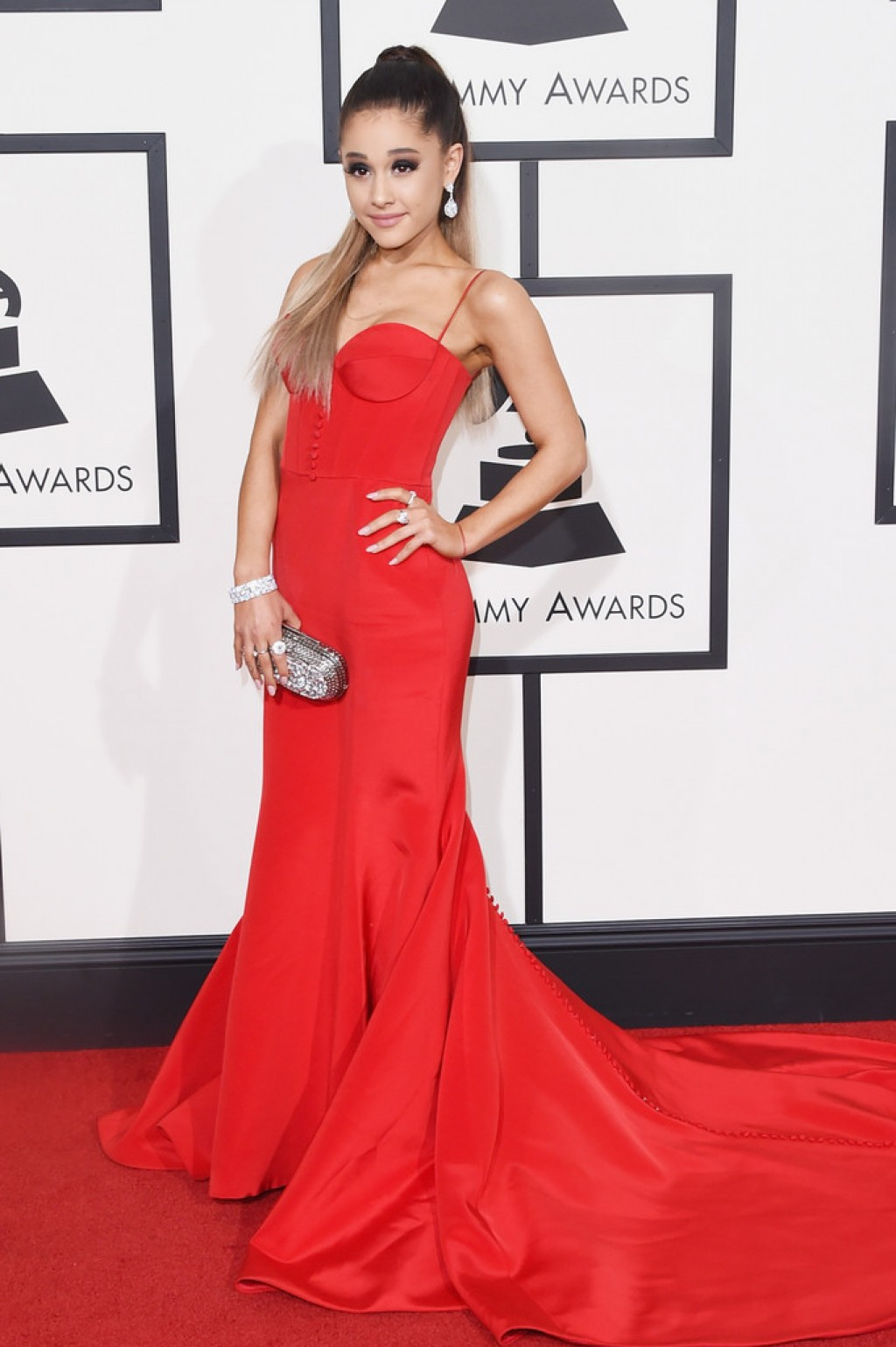 Ariana-Grande-Wearing-Romona-Keveza-2016-Grammys-dress-1024x1539