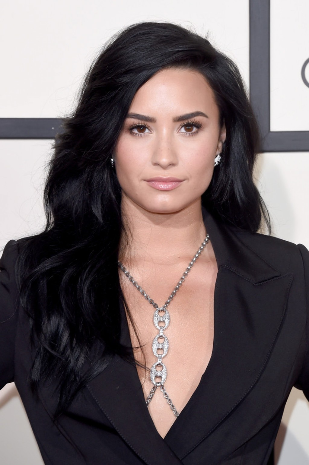 Demi-Lovato-Wearing-Norisol-Ferrari-2016-Grammys-d-1024x1542