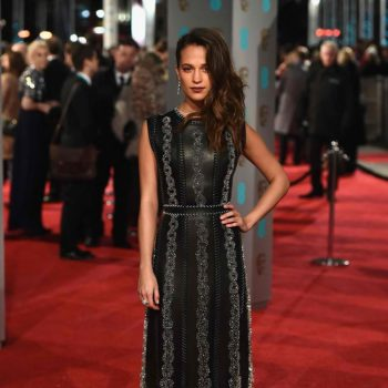 EE-British-Academy-Film-Awards-Alicia-Vikander-1024×1506-1 (1)