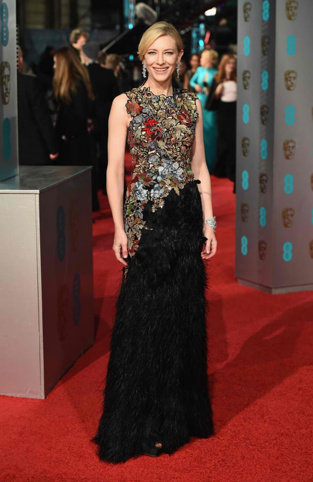 EE-British-Academy-Film-Awards-Cate-Blanchett-Gown-1024x1576