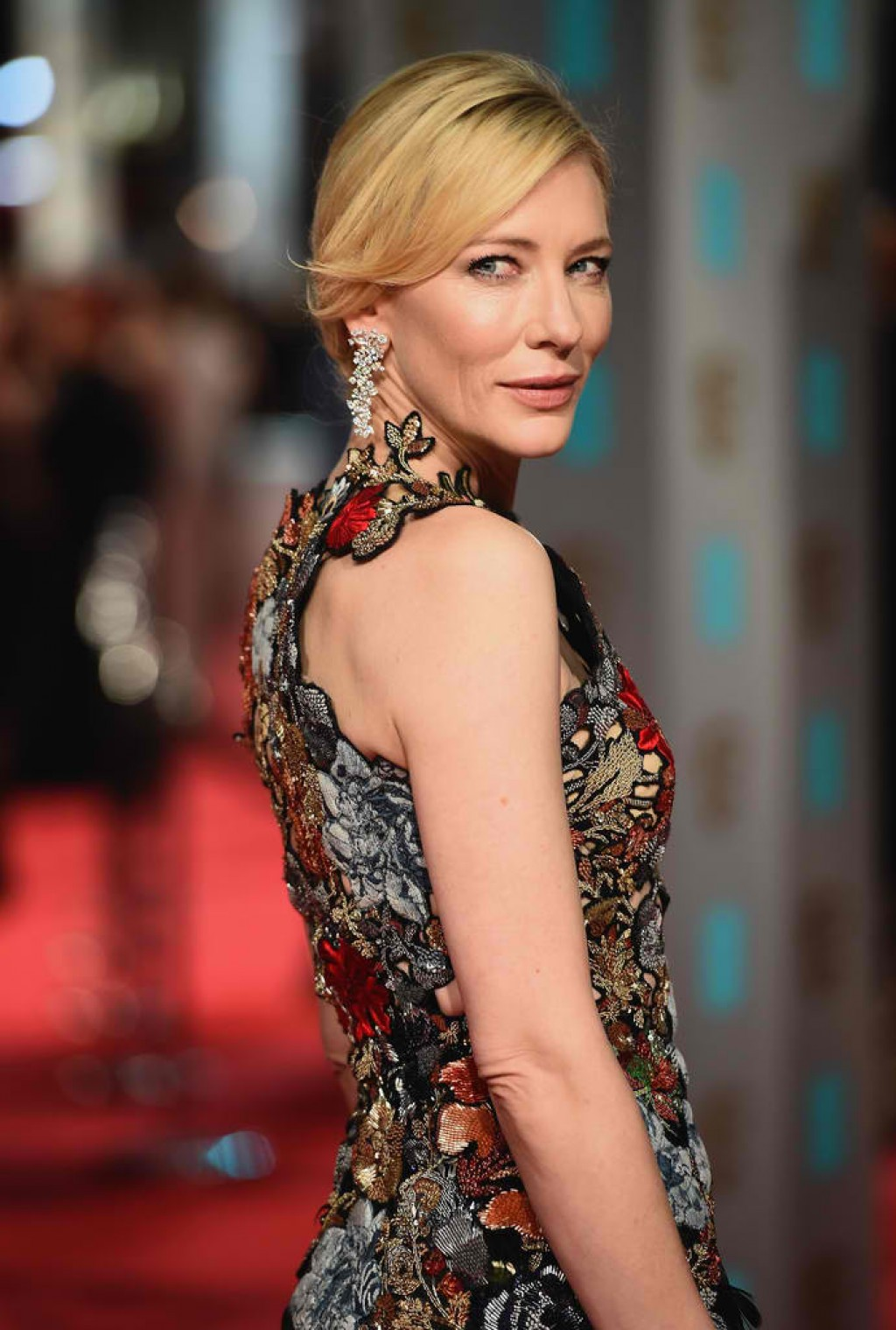 EE-British-Academy-Film-Awards-Cate-Blanchett-face-1024x1519