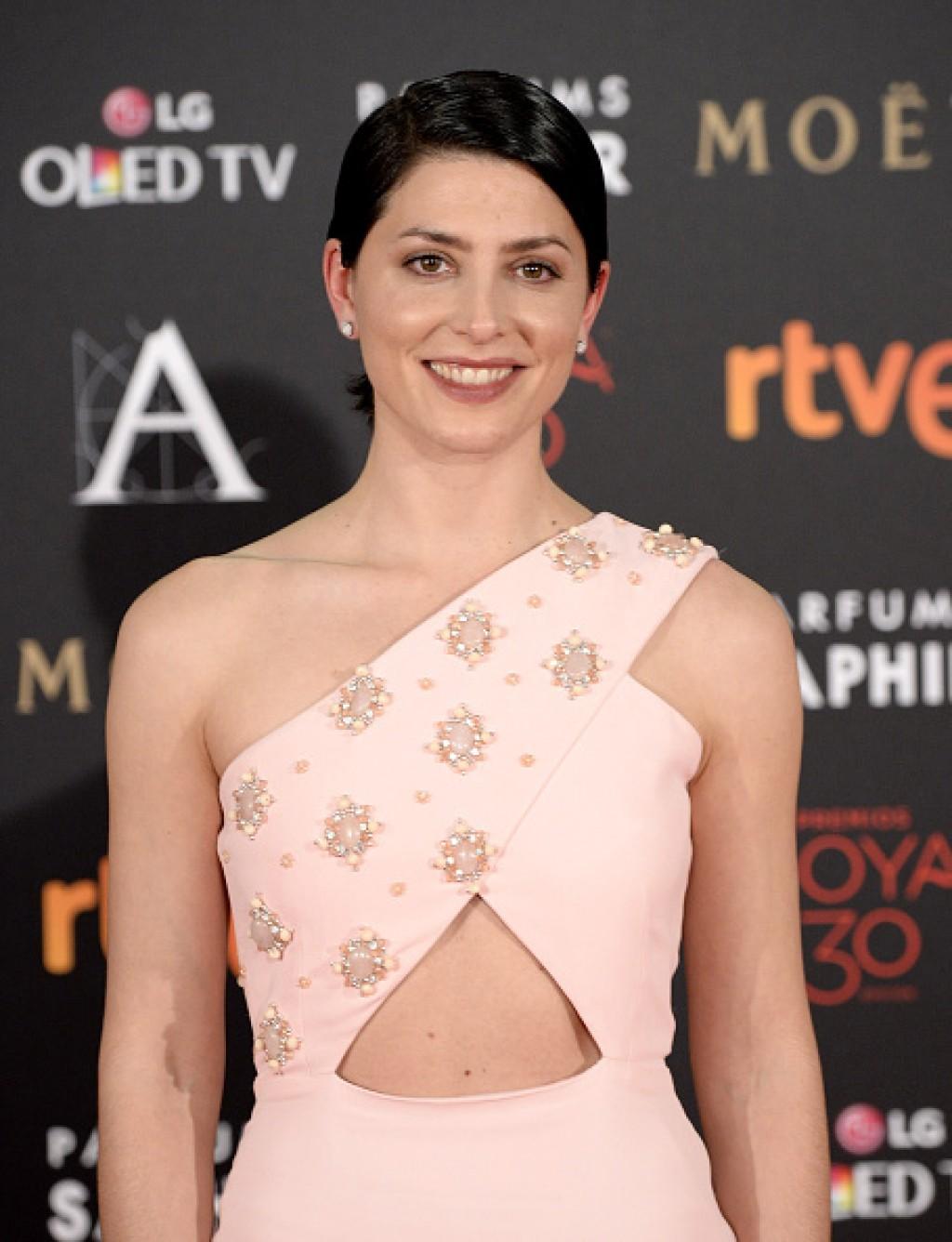 Goya-Cinema-Awards-2016-Barbara-Lennie-Face-1024x1336