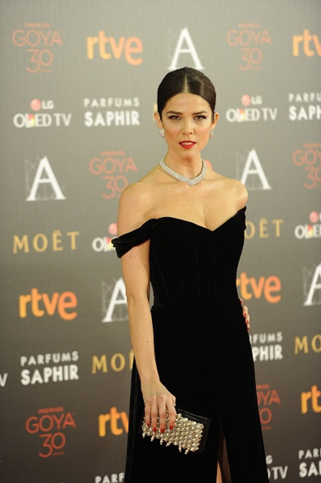 Goya-Cinema-Awards-2016-Juana-Acosta-Gown-half-1024x1539