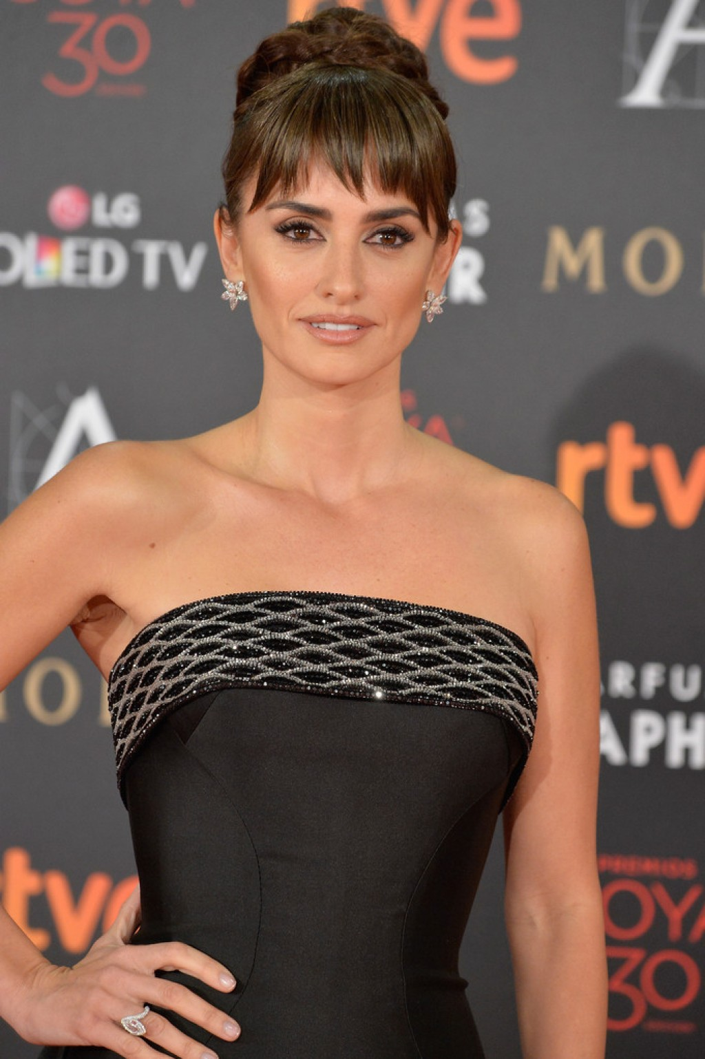 Goya-Cinema-Awards-Penelope-Cruz-Make-up-1024x1539