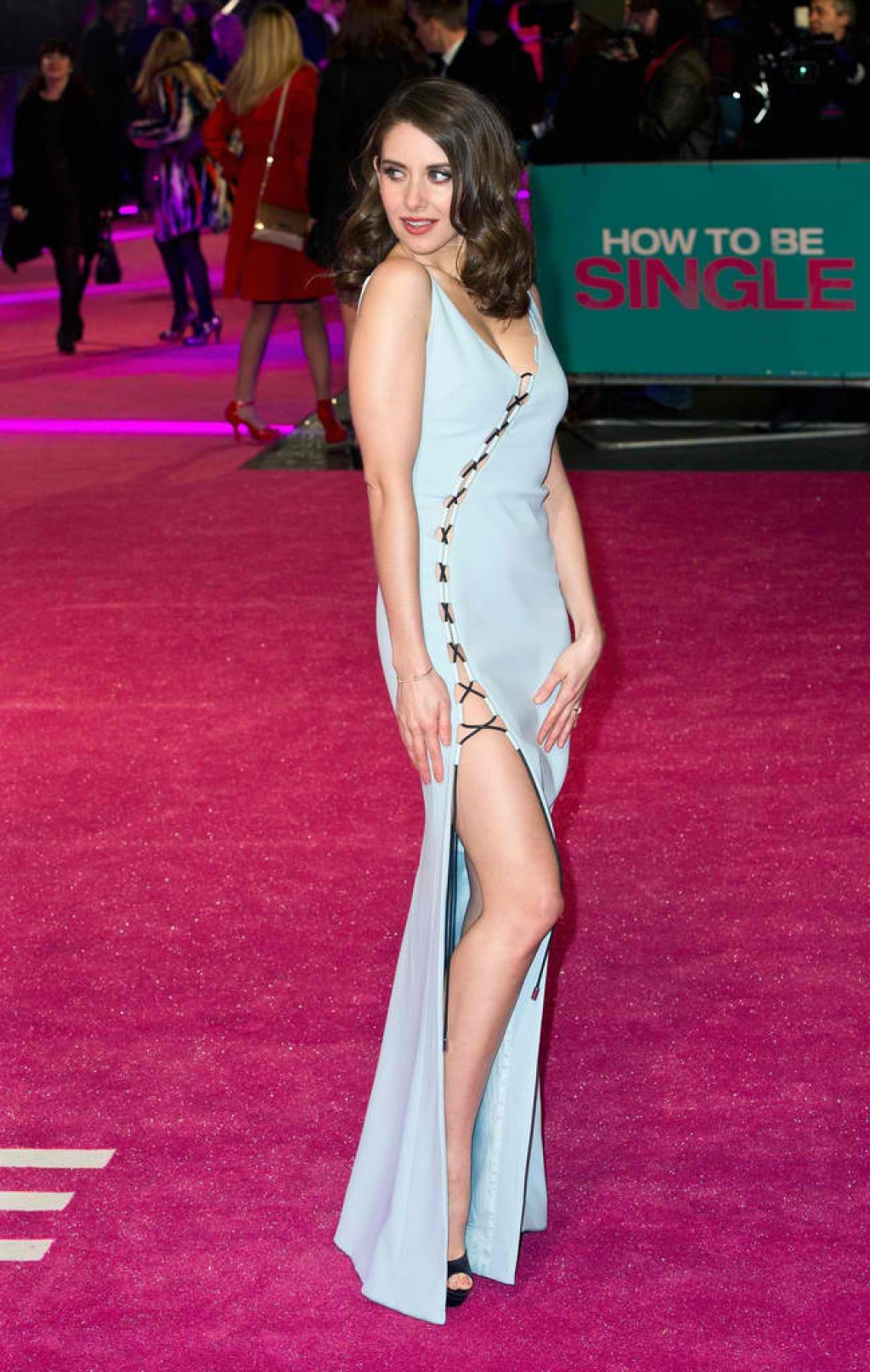 How-To-Be-Single-London-Premiere-Alison-Brie-1024x1615